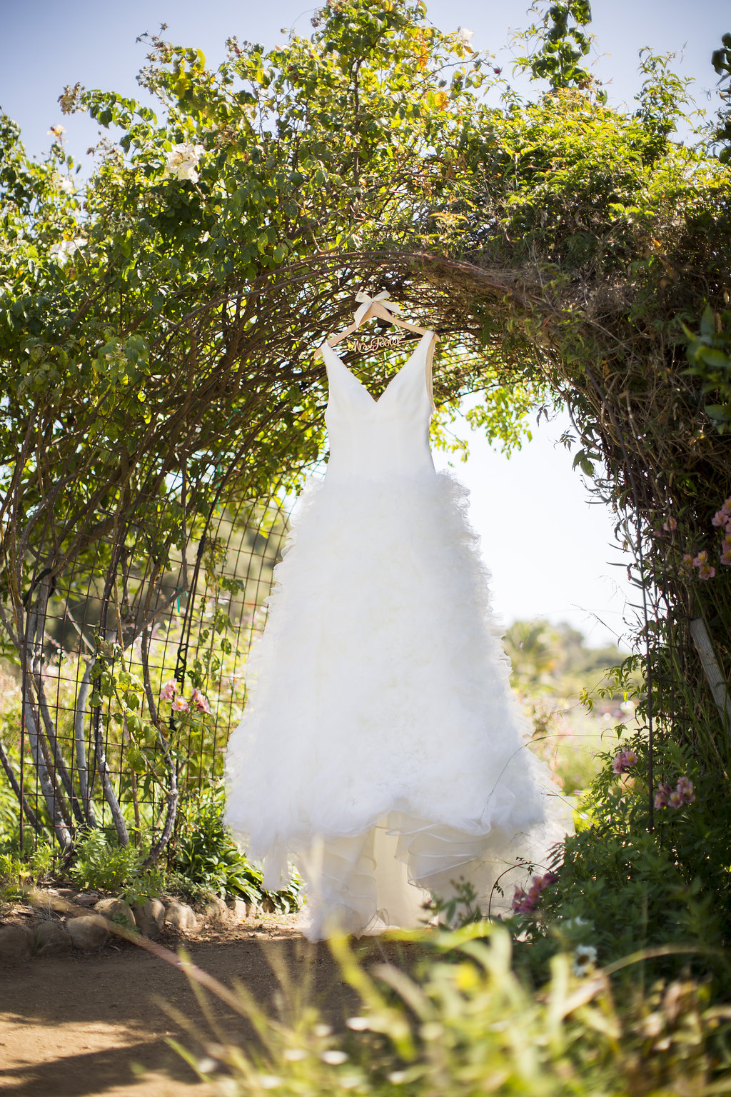 www.santabarbarawedding.com | Heartstone Ranch | Anna Schmidt Photography | Wedding Dress