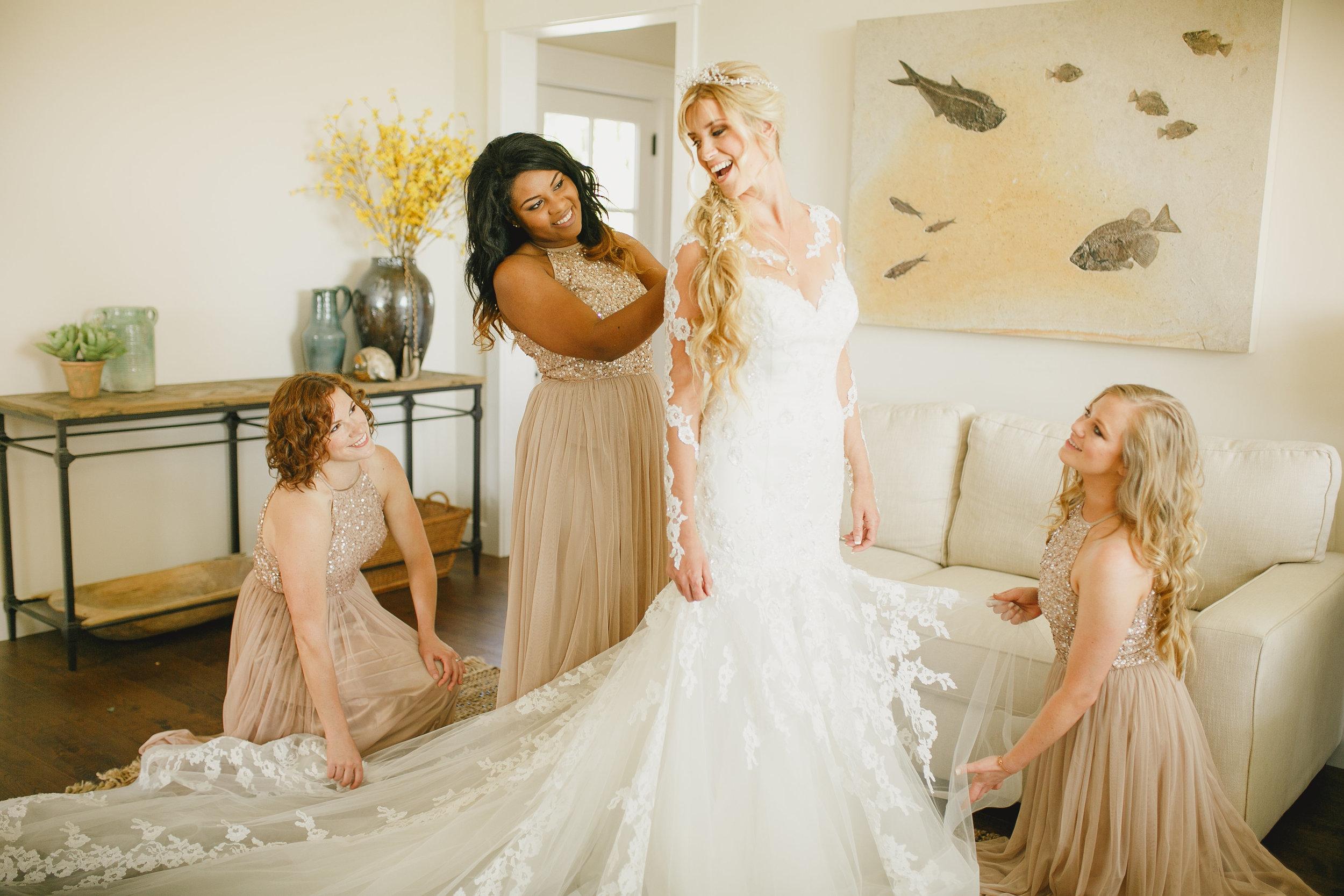 www.santabarbarawedding.com | Kristen Booth Photography | Rincon Beach Club | Bride Getting Ready