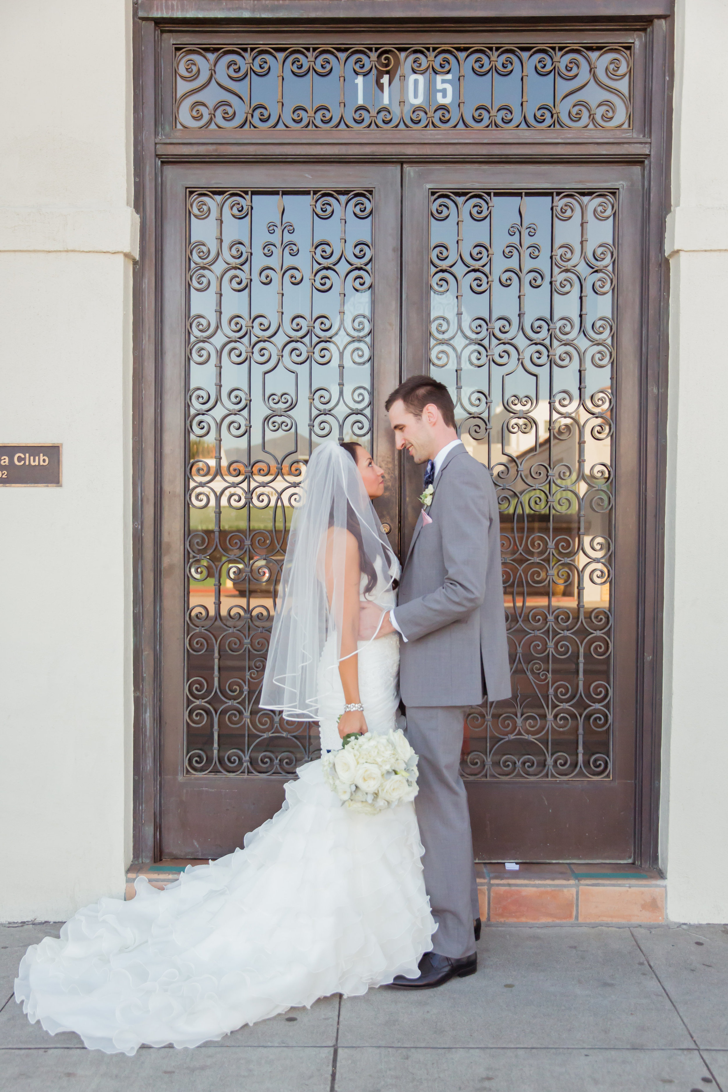 www.santabarbarawedding.com | Santa Barbara Club | Jessica Fairchild Photography | Bride and Groom