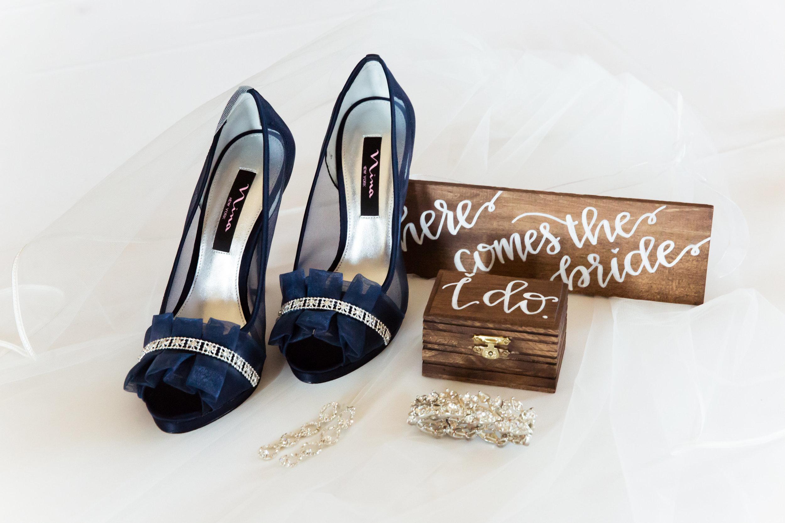 www.santabarbarawedding.com | Santa Barbara Club | Jessica Fairchild Photography | Bridal Accessoried
