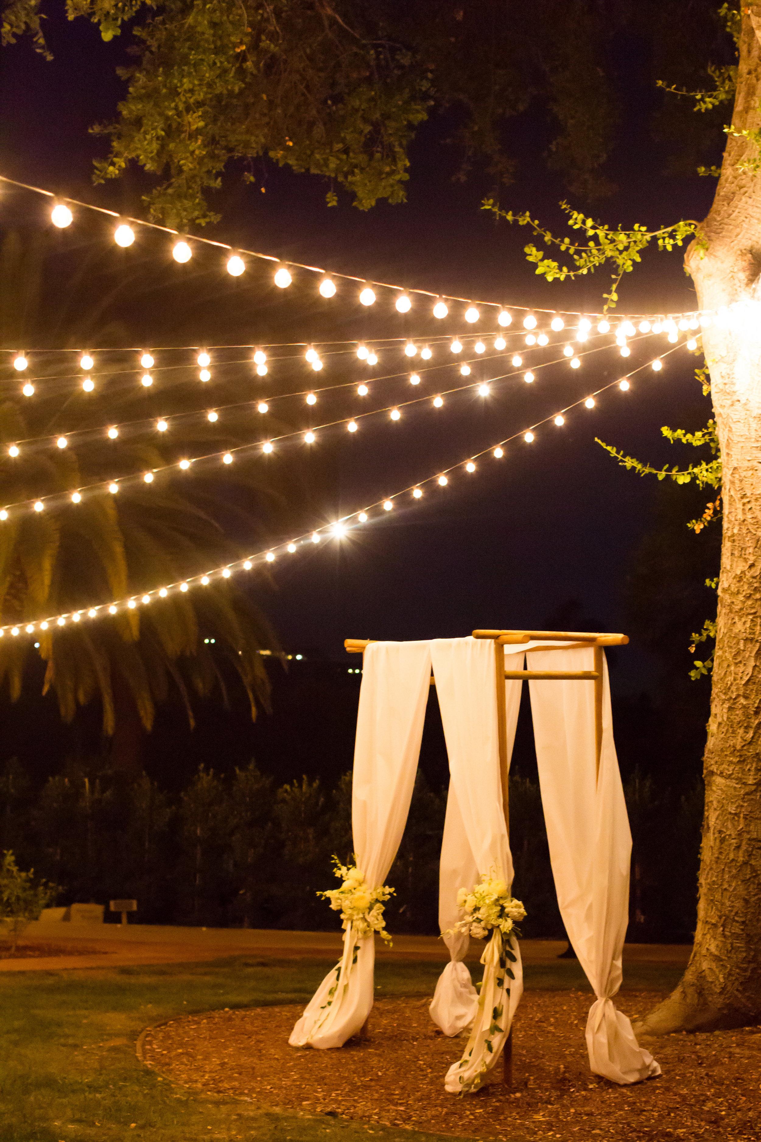 www.santabarbarawedding.com | Santa Barbara Club | Jessica Fairchild Photography | Wedding Arch