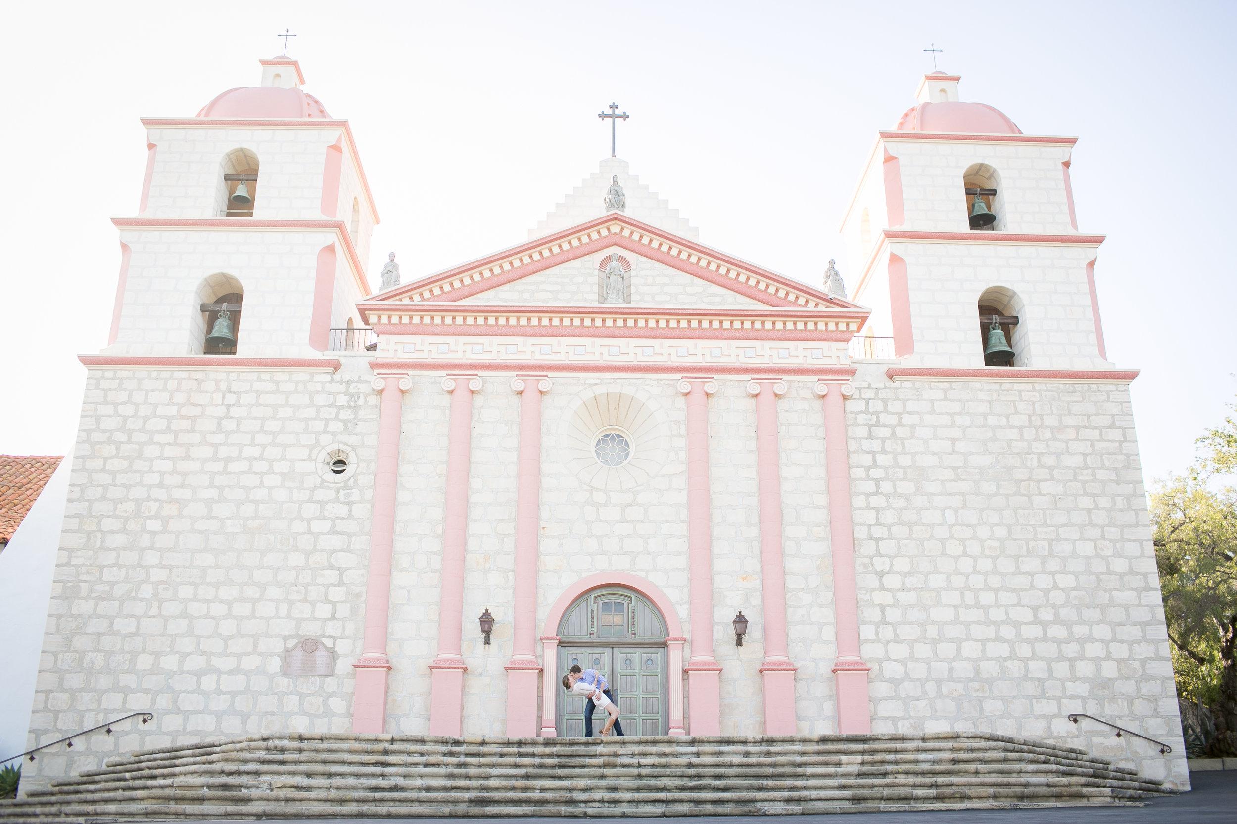 www.santabarbarawedding.com | Kelsey Crews Photo | Santa Barbara Mission | Engagement Session