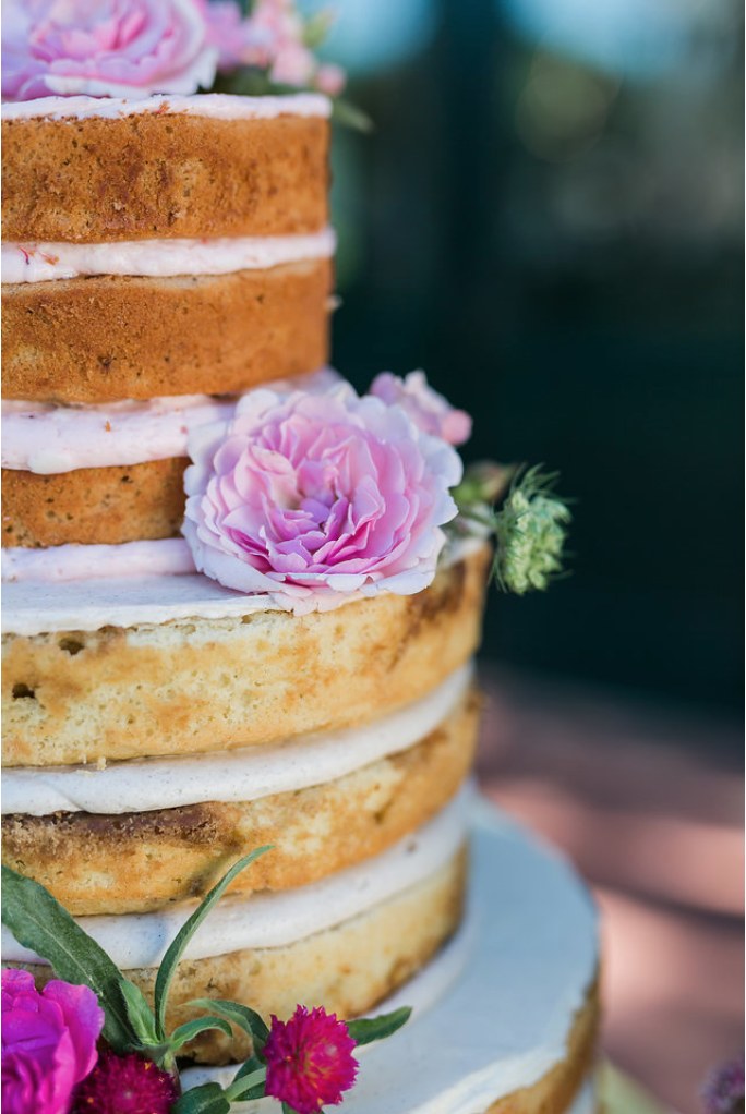 www.santabarbarawedding.com | Mattei's Tavern | Staci Stack Photography | Wedding Cake | Crush Cake