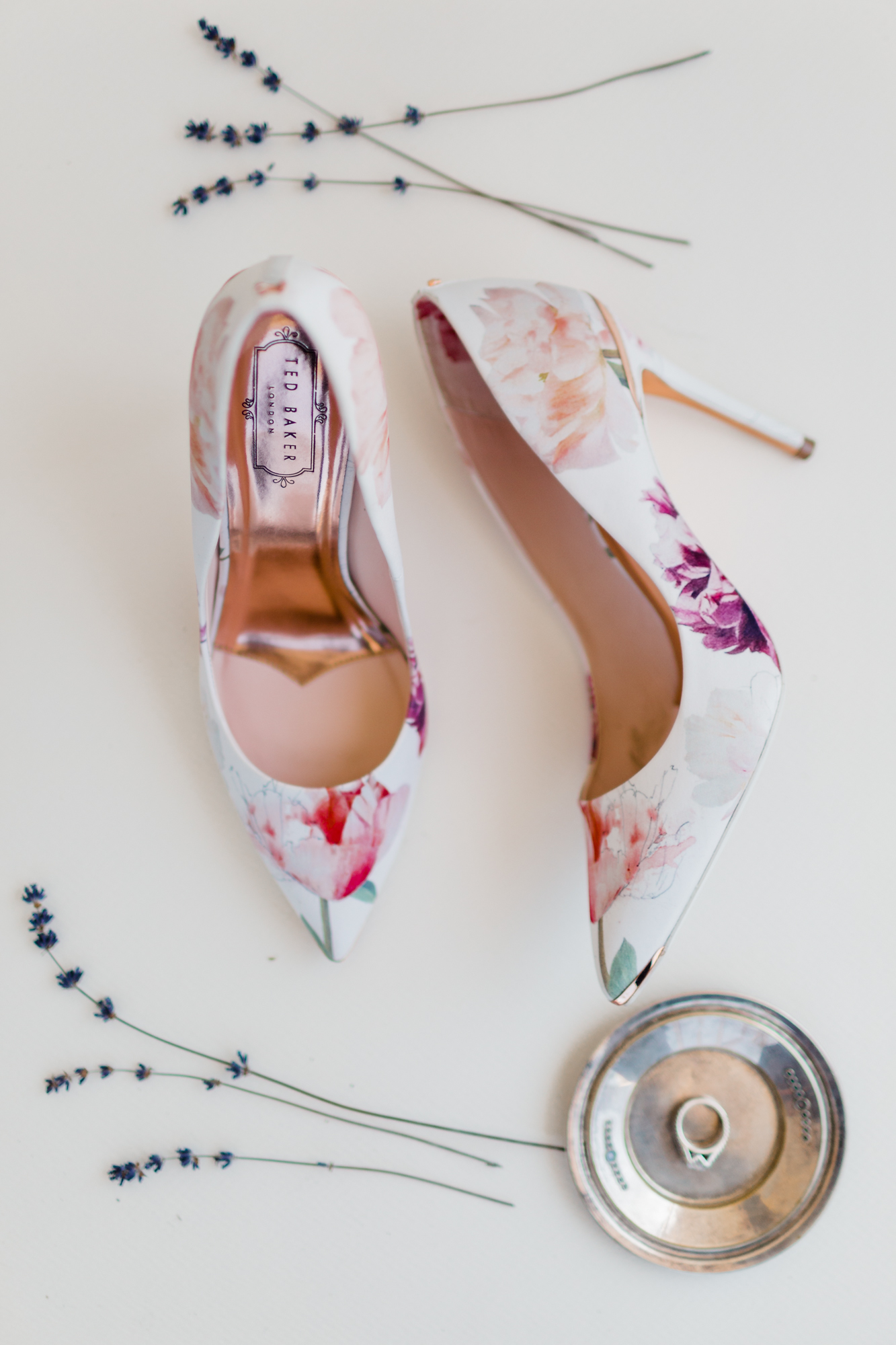 www.santabarbarawedding.com | Kaitie Brainerd Photo | Rancho Dos Pueblos | Bride's Shoes