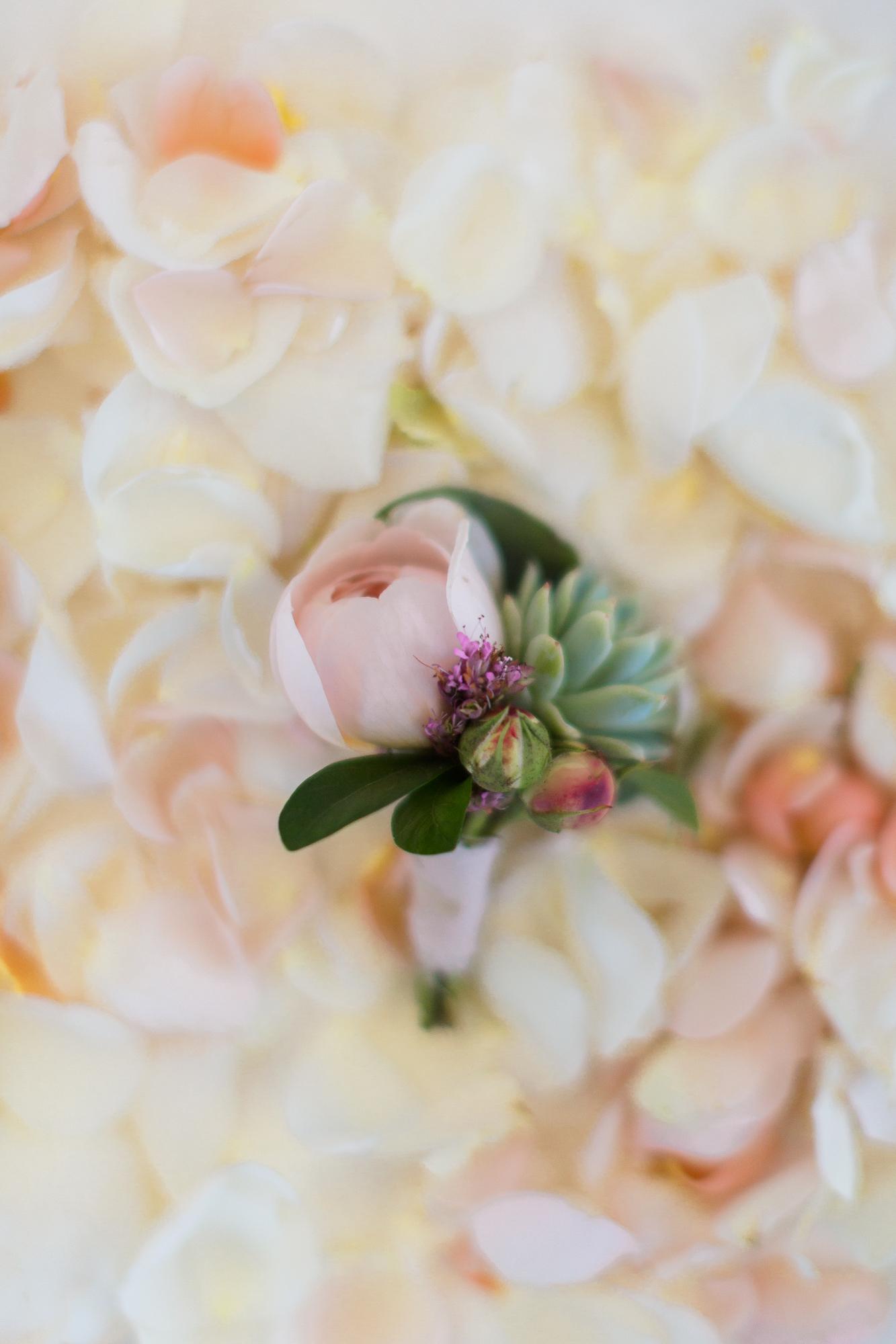 www.santabarbarawedding.com | Kaitie Brainerd Photo | Rancho Dos Pueblos | Boutonniere