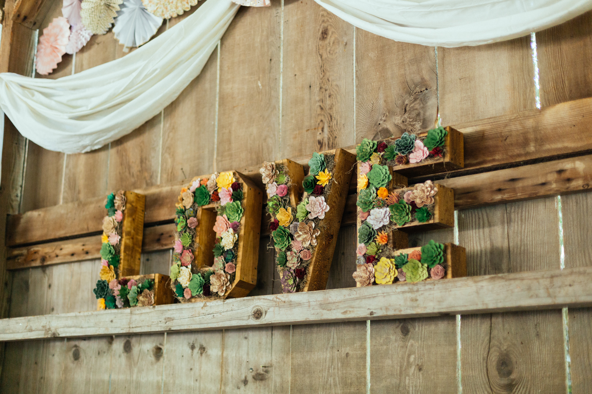 www.santabarbarawedding.com | Kaitie Brainerd Photo | Rancho Dos Pueblos | Love Sign