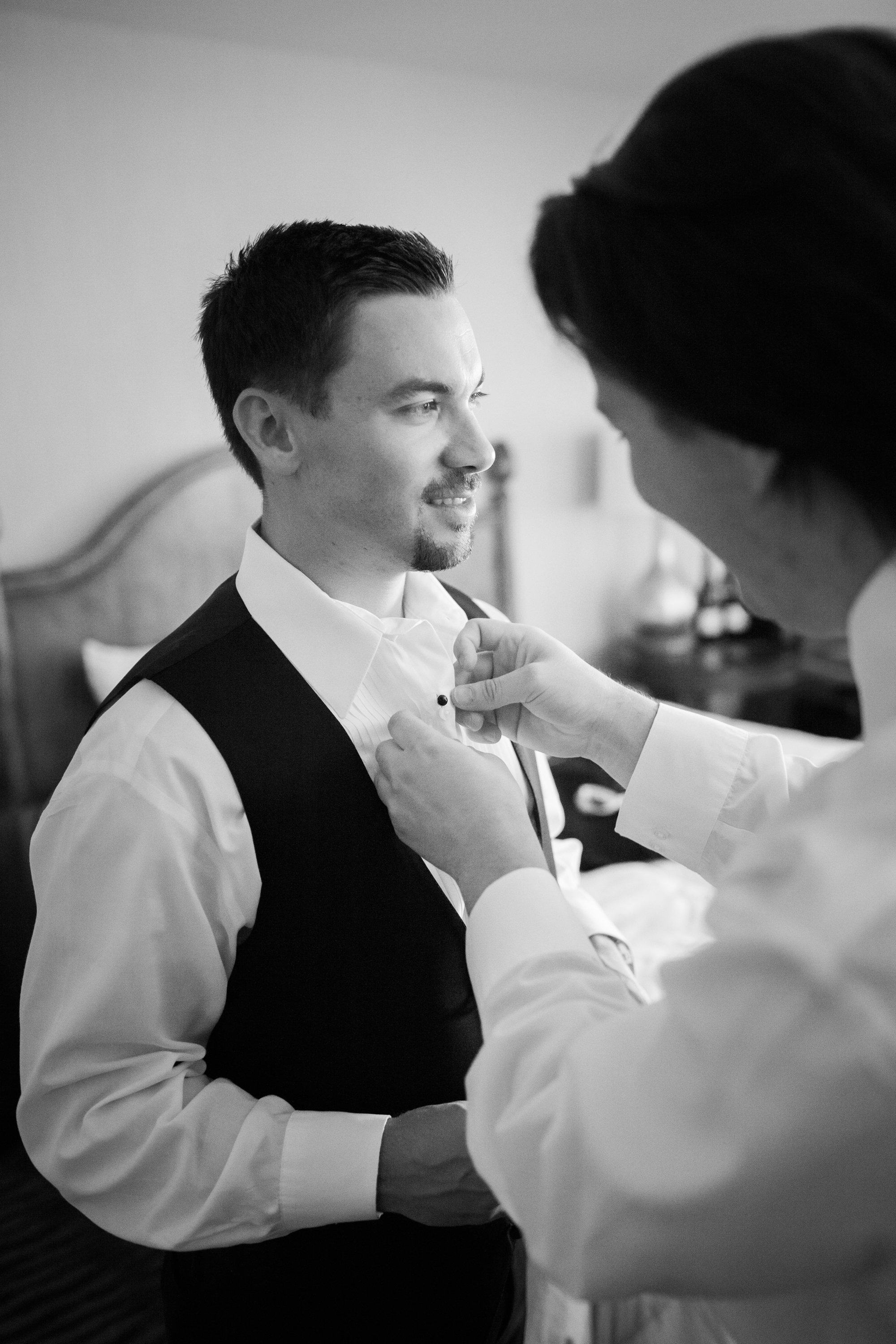 www.santabarbarawedding.com | Kelsey Crews | Fess Parker Doubletree | Groom Getting Ready