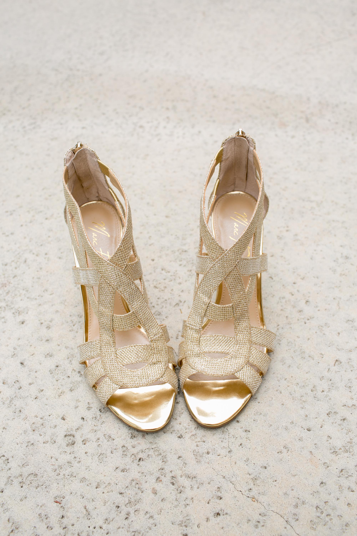 www.santabarbarawedding.com | Kelsey Crews | Felici Events | Alice Keck Park | Bride's Shoes