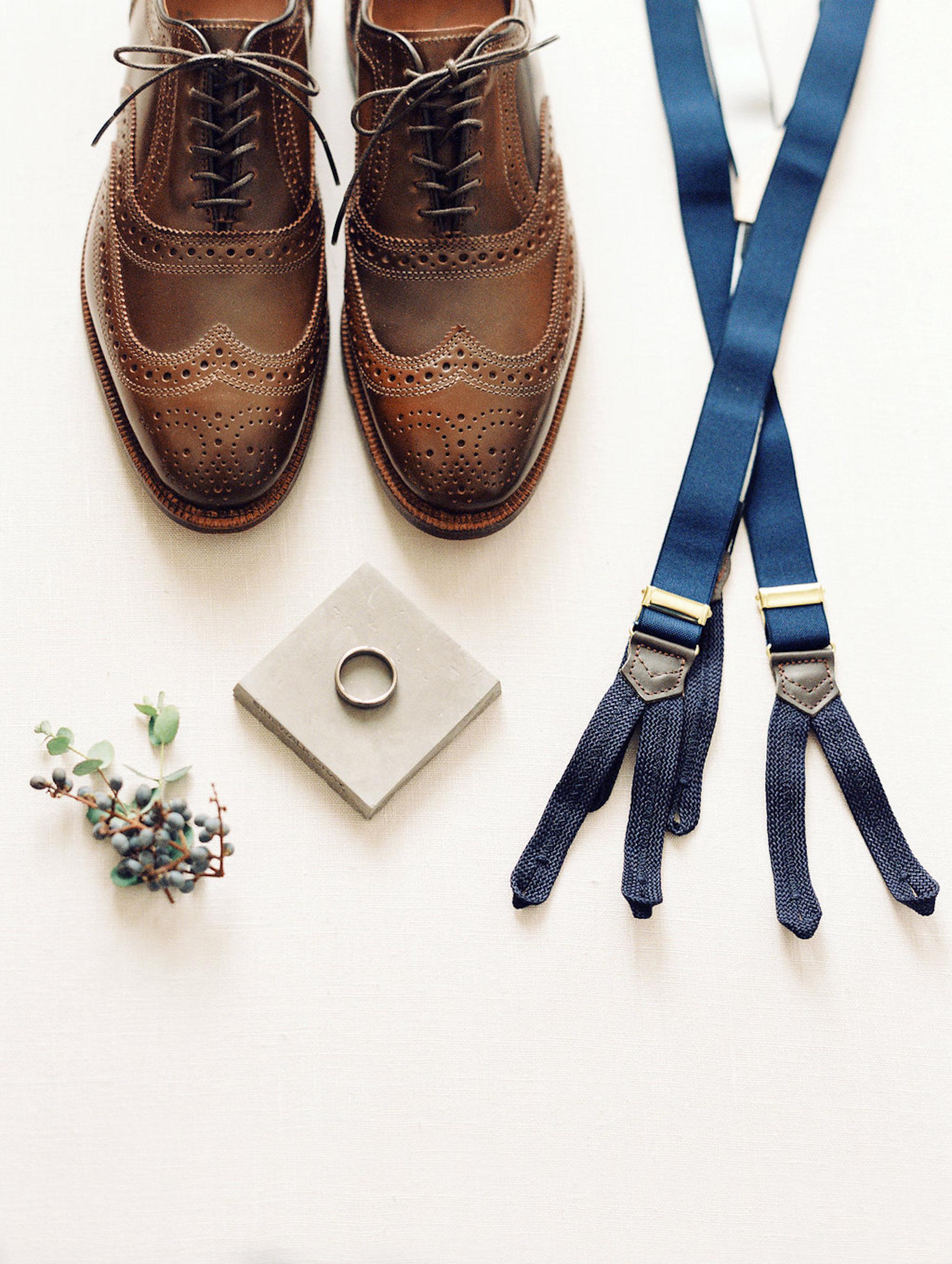 www.santabarbarawedding.com | Lavender & Twine | Michele B. Events | Santa Barbara Courthouse | Groom's Accessories