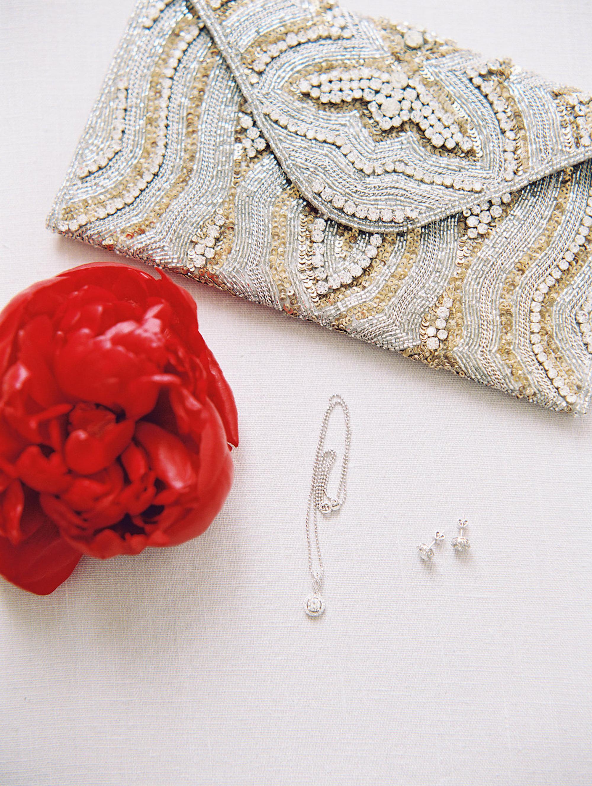 www.santabarbarawedding.com | Lavender & Twine | Michele B. Events | Santa Barbara Courthouse | Bridal Accessories