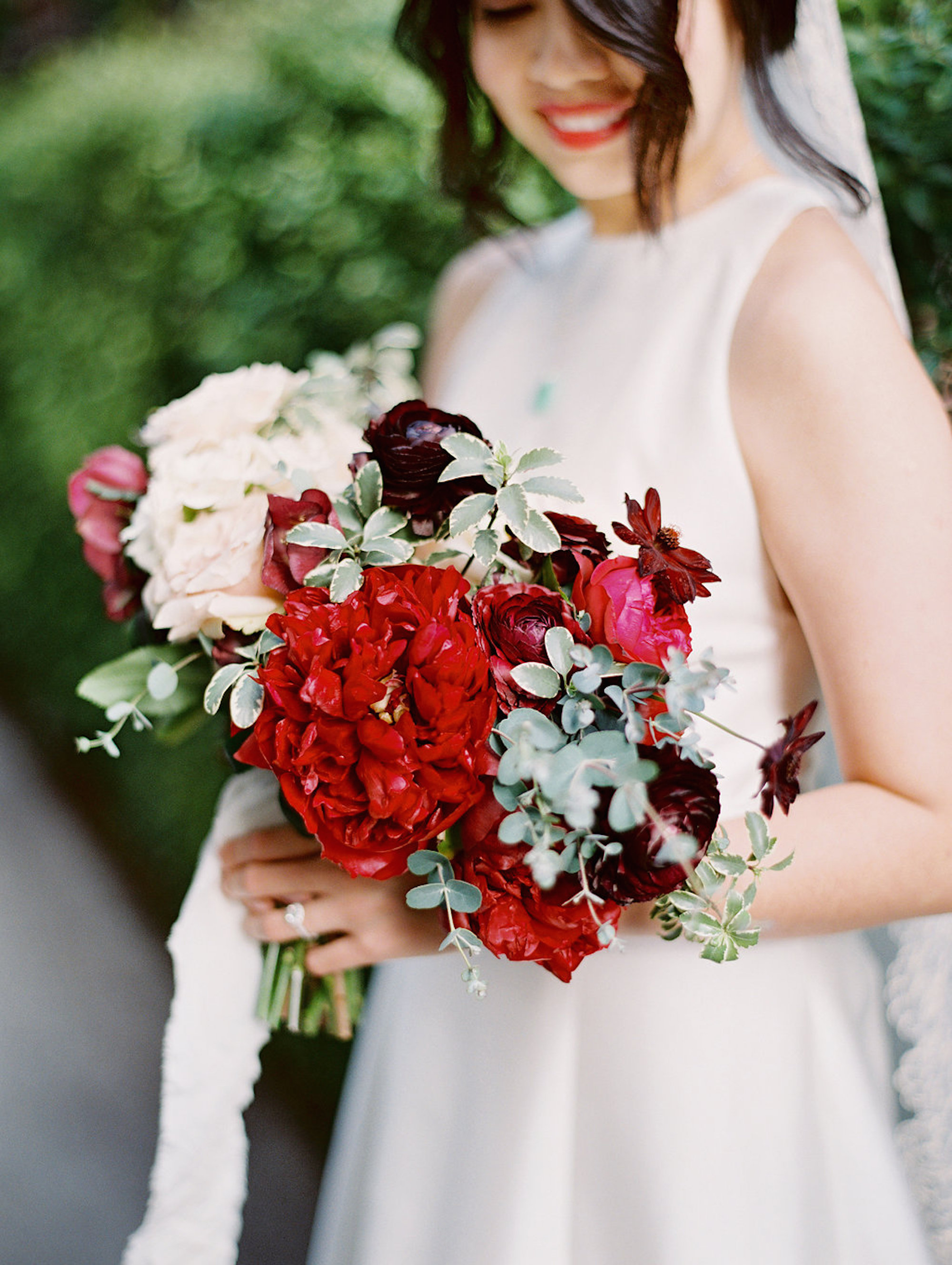 www.santabarbarawedding.com | Lavender & Twine | Michele B. Events | Santa Barbara Courthouse | Bridal Bouquet