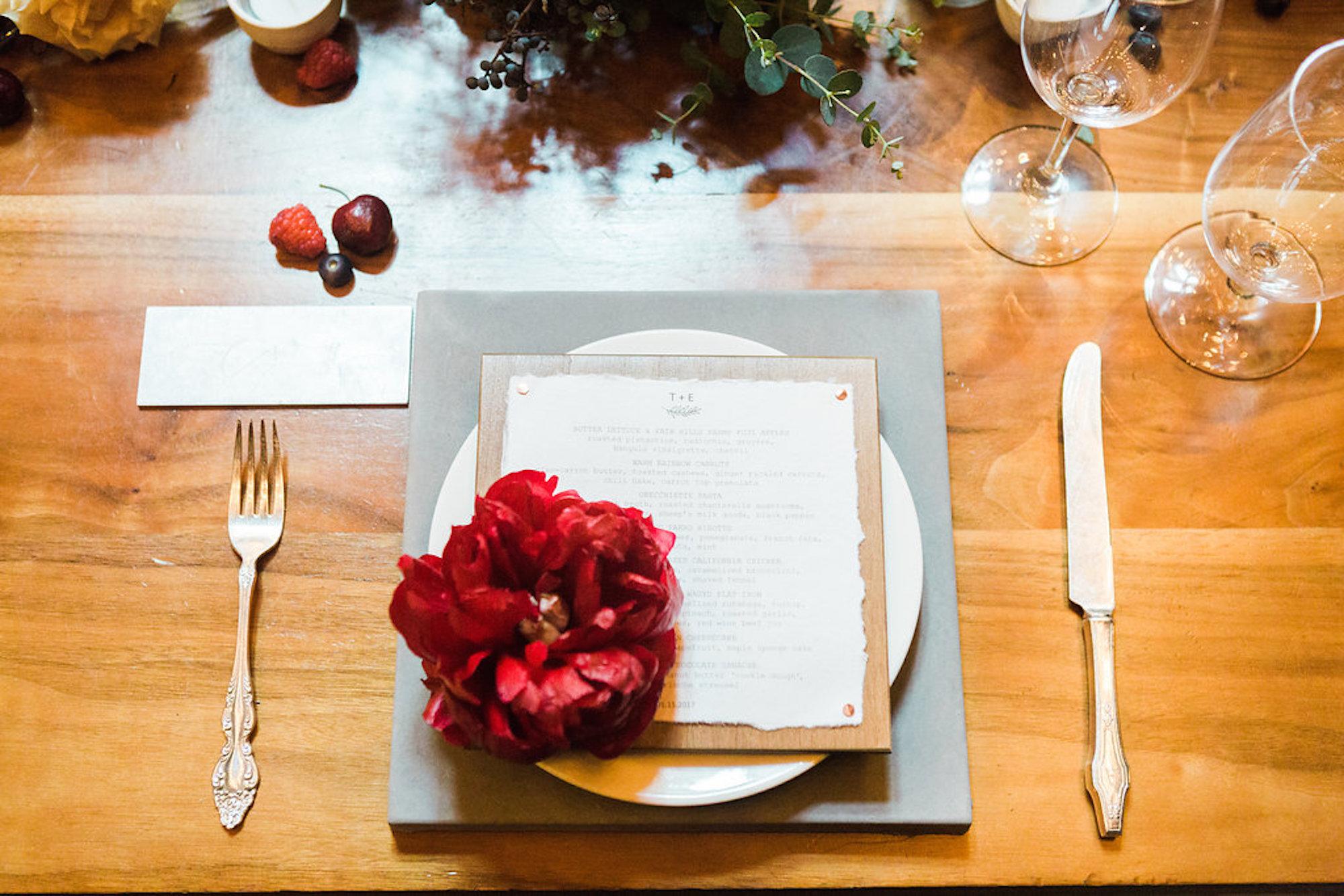 www.santabarbarawedding.com | Lavender & Twine | Michele B. Events | Santa Barbara Courthouse | Place Setting