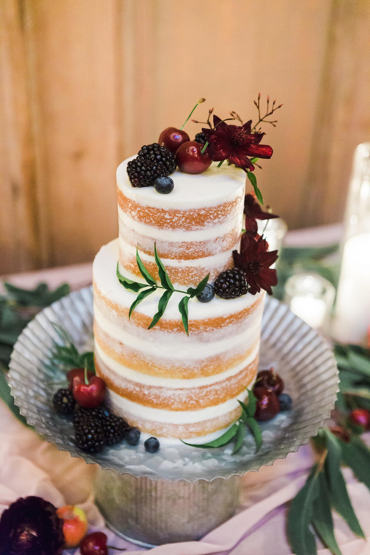 www.santabarbarawedding.com | Lavender & Twine | Michele B. Events | Santa Barbara Courthouse | Wedding Cake