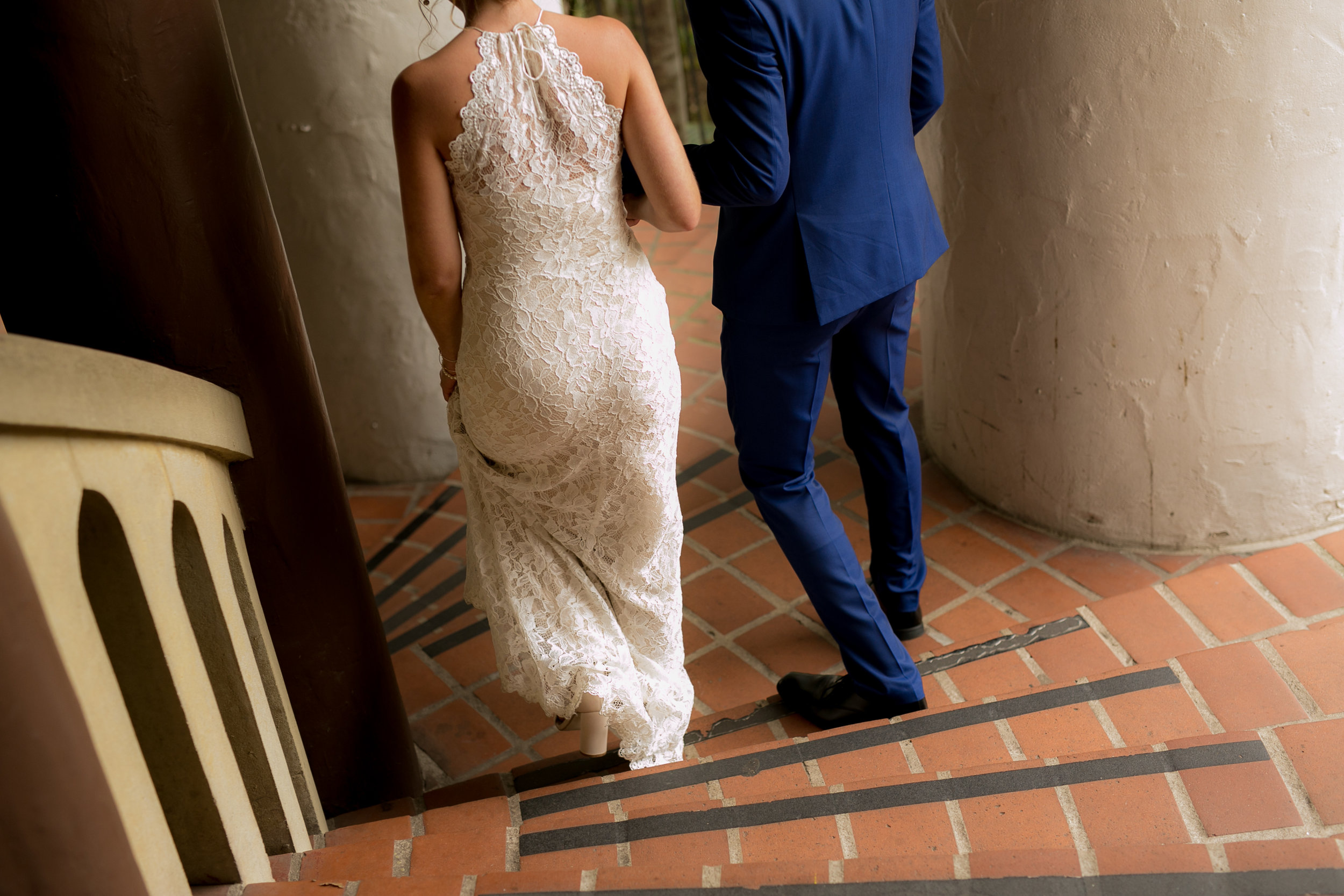 www.santabarbarawedding.com | Boone & Stacie Weddings | Santa Barbara Courthouse | El Paseo | Bride and Groom