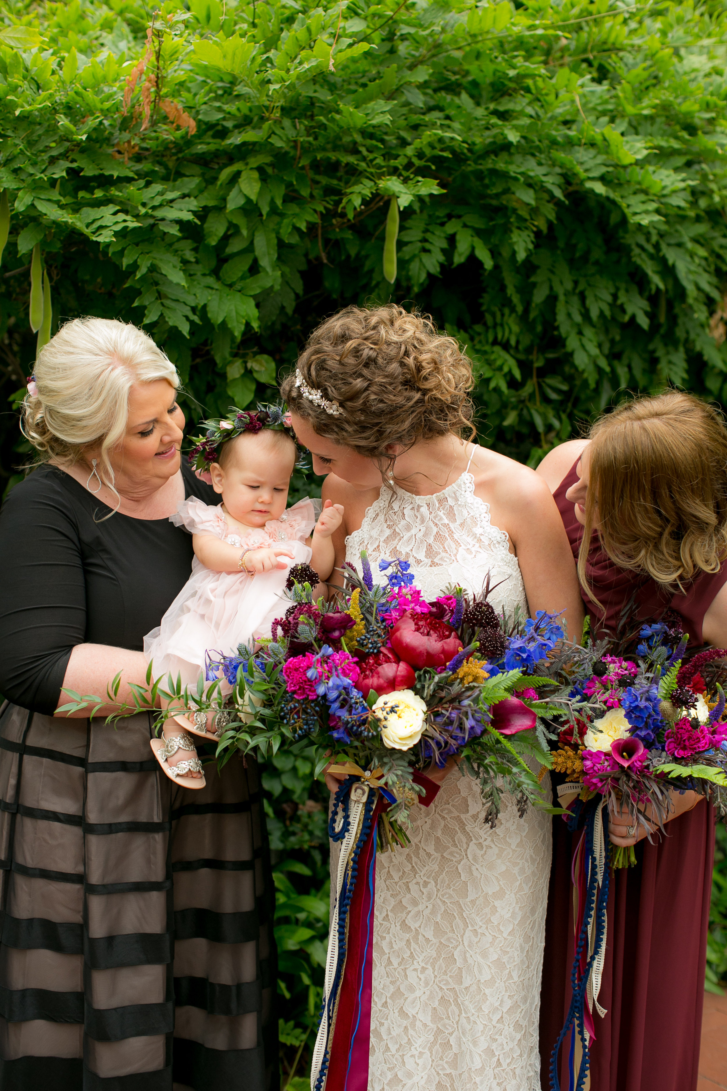 www.santabarbarawedding.com | Boone & Stacie Weddings | Santa Barbara Courthouse | El Paseo | Bride and Bridesmaids