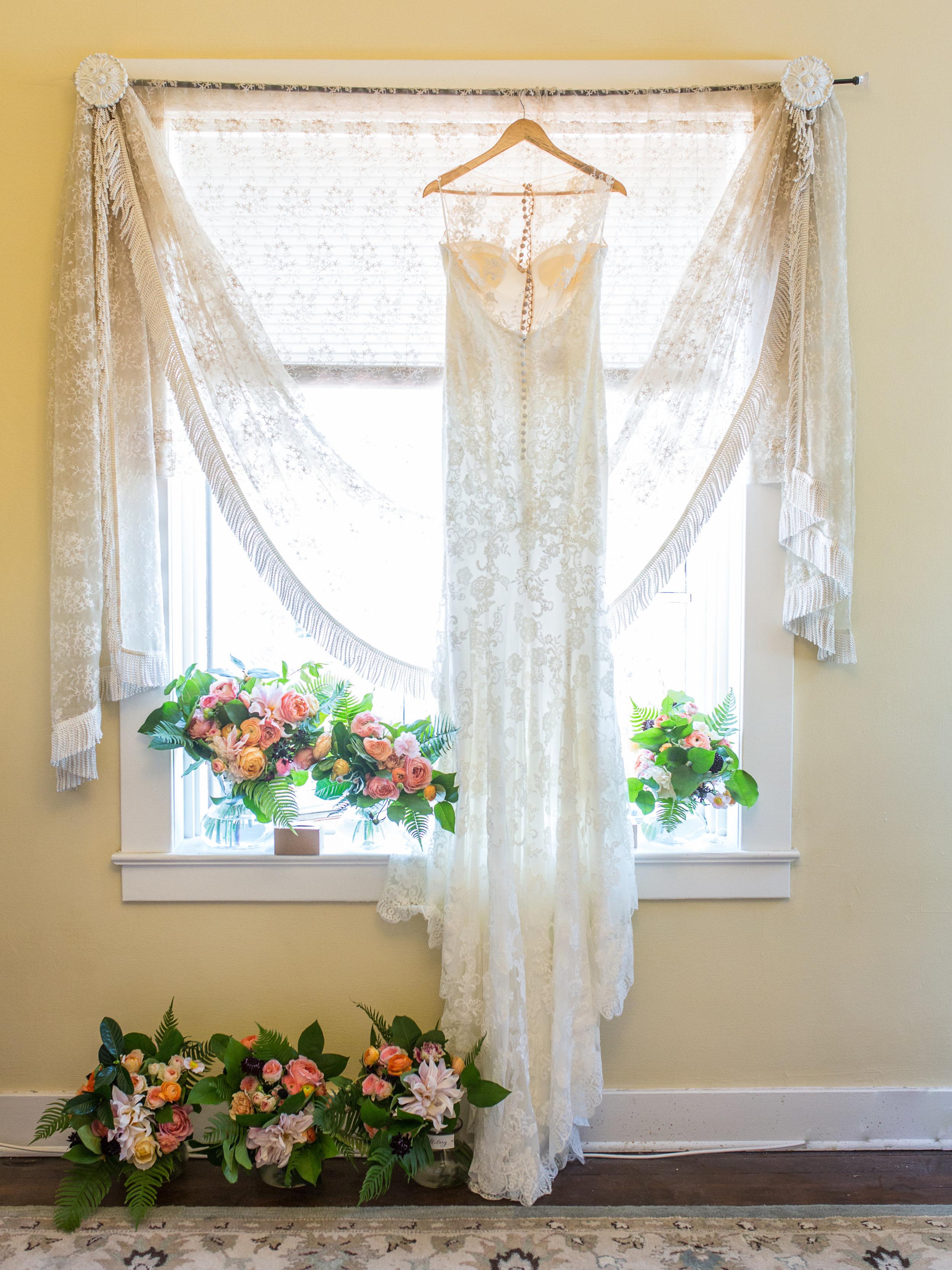 www.santabarbarawedding.com | Kiel Rucker | Riviera Mansion | Wedding Gown