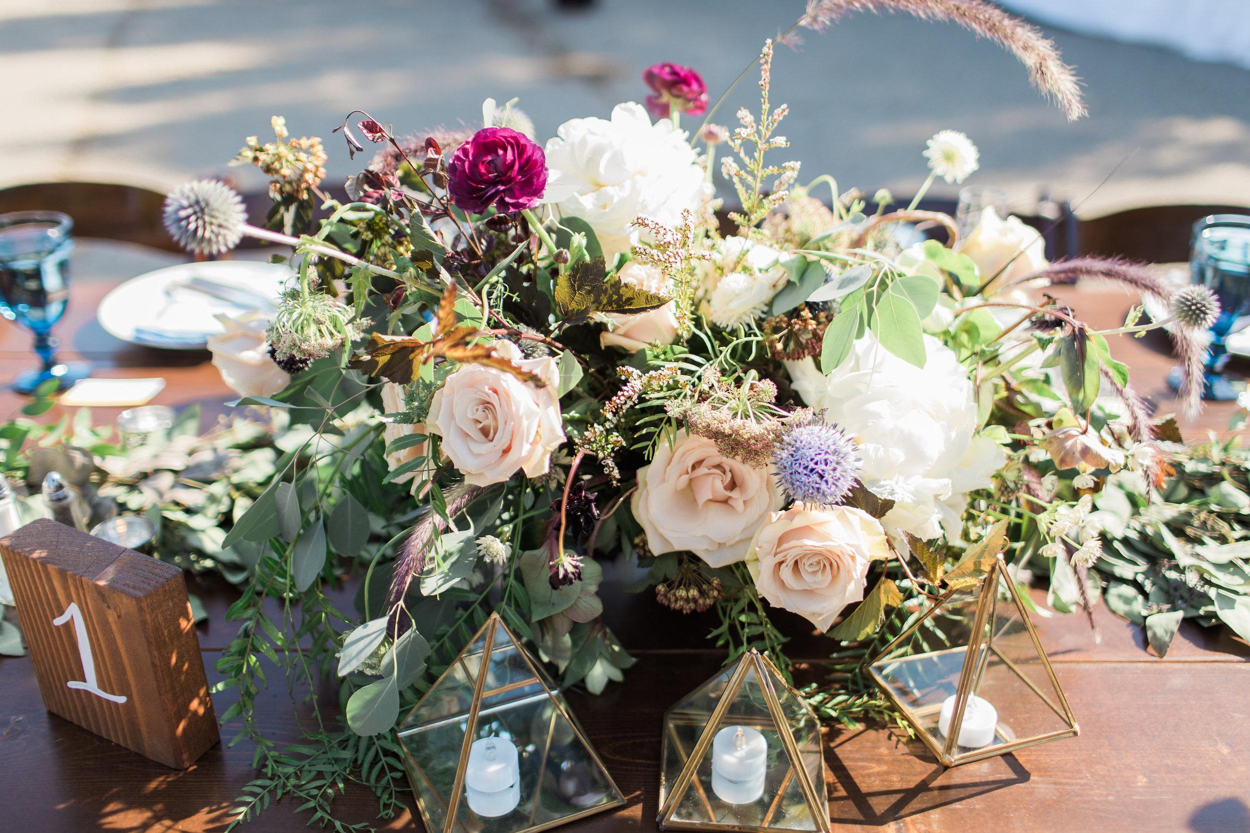 www.santabarbarawedding.com | Ann Johnson | Katie Shuler Photography | Ventura Botanical Gardens | Floral Arrangement