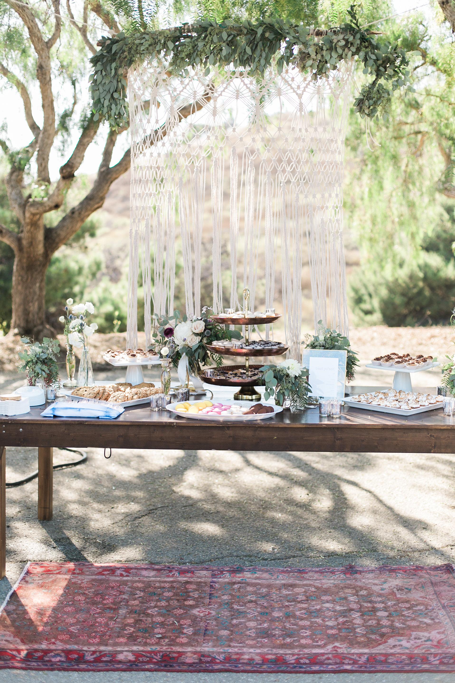 www.santabarbarawedding.com | Ann Johnson | Katie Shuler Photography | Ventura Botanical Gardens | Dessert Table