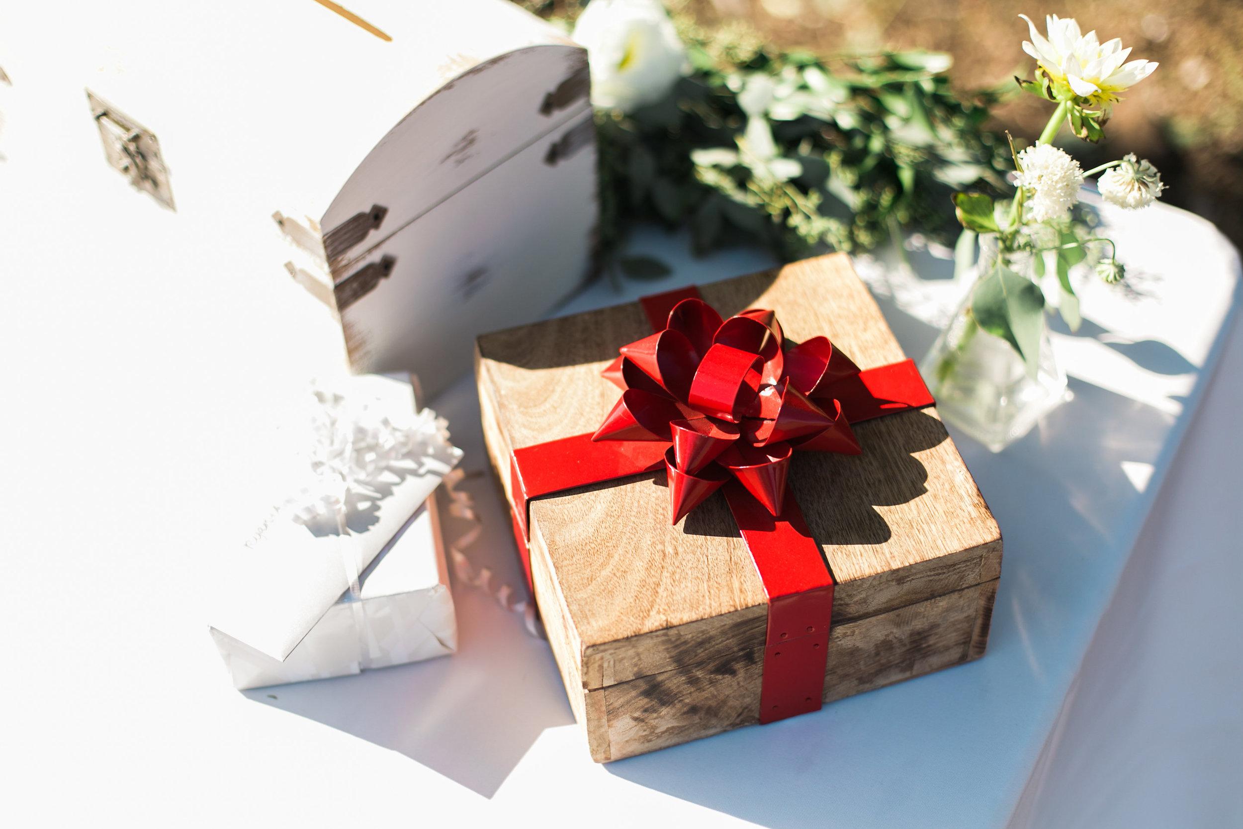www.santabarbarawedding.com | Ann Johnson | Katie Shuler Photography | Ventura Botanical Gardens | Card Box