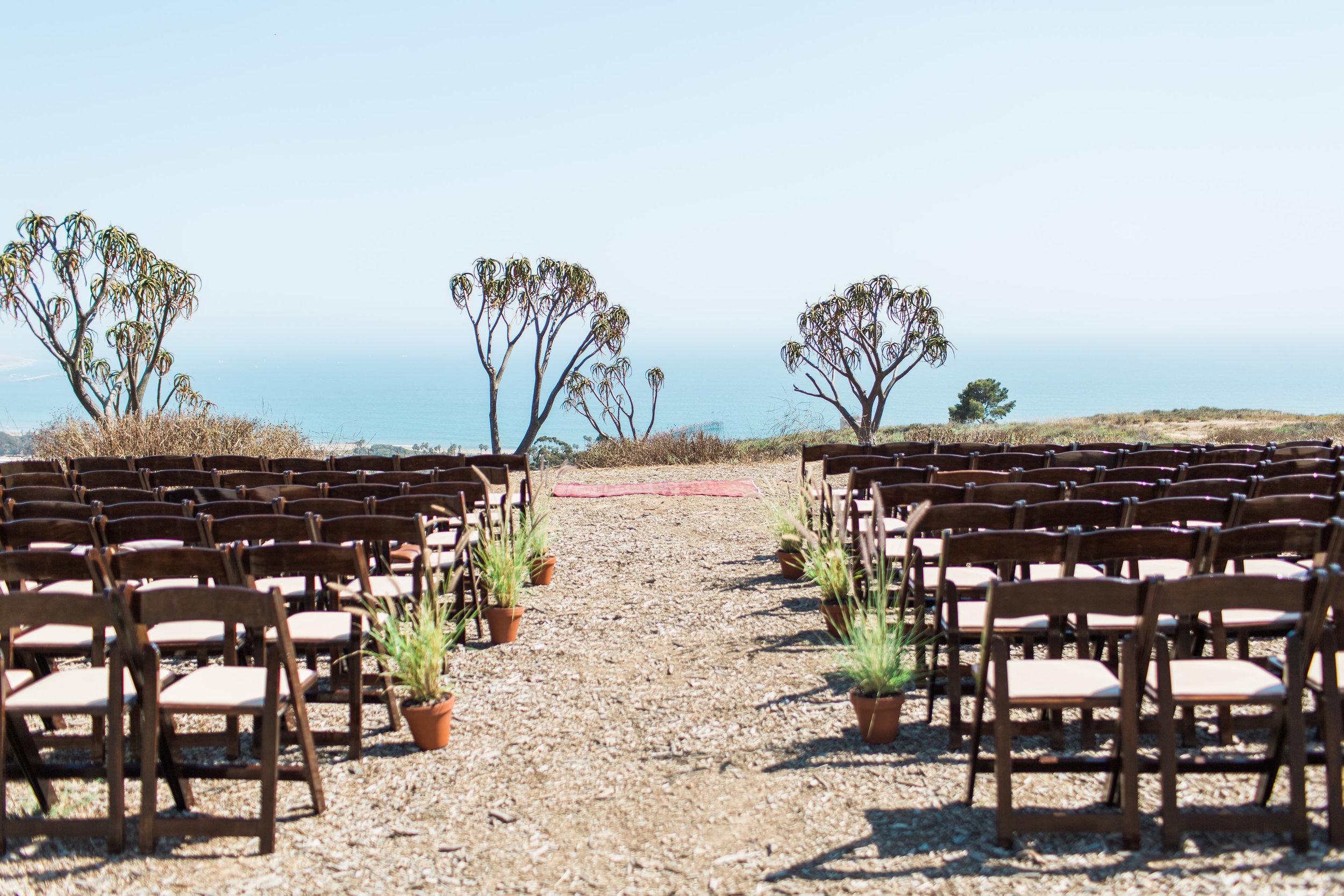 www.santabarbarawedding.com | Ann Johnson | Katie Shuler Photography | Ventura Botanical Gardens | Ceremony