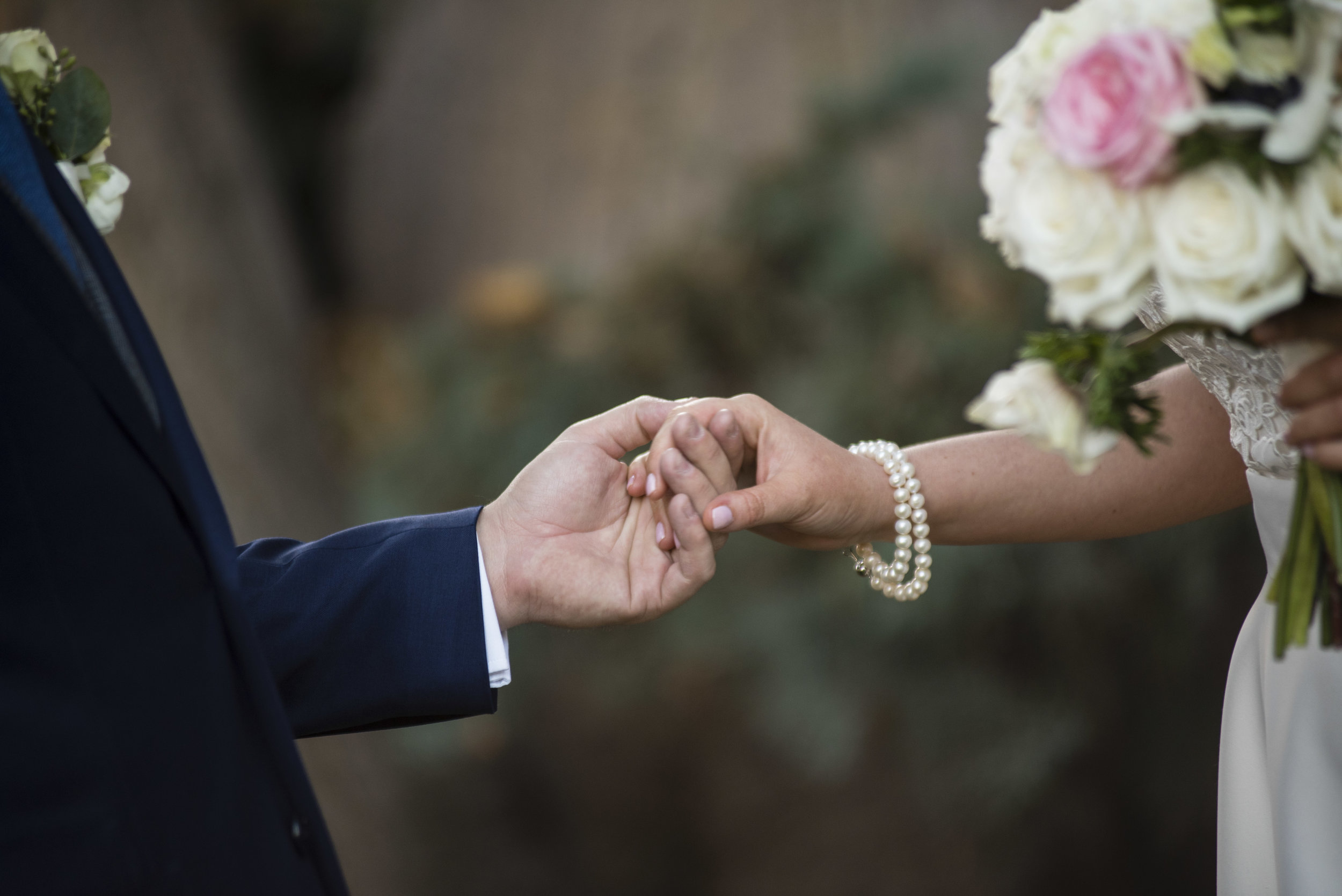 www.santabarbarawedding.com | By Cherry Photography | Santa Barbara Courthouse | Vows