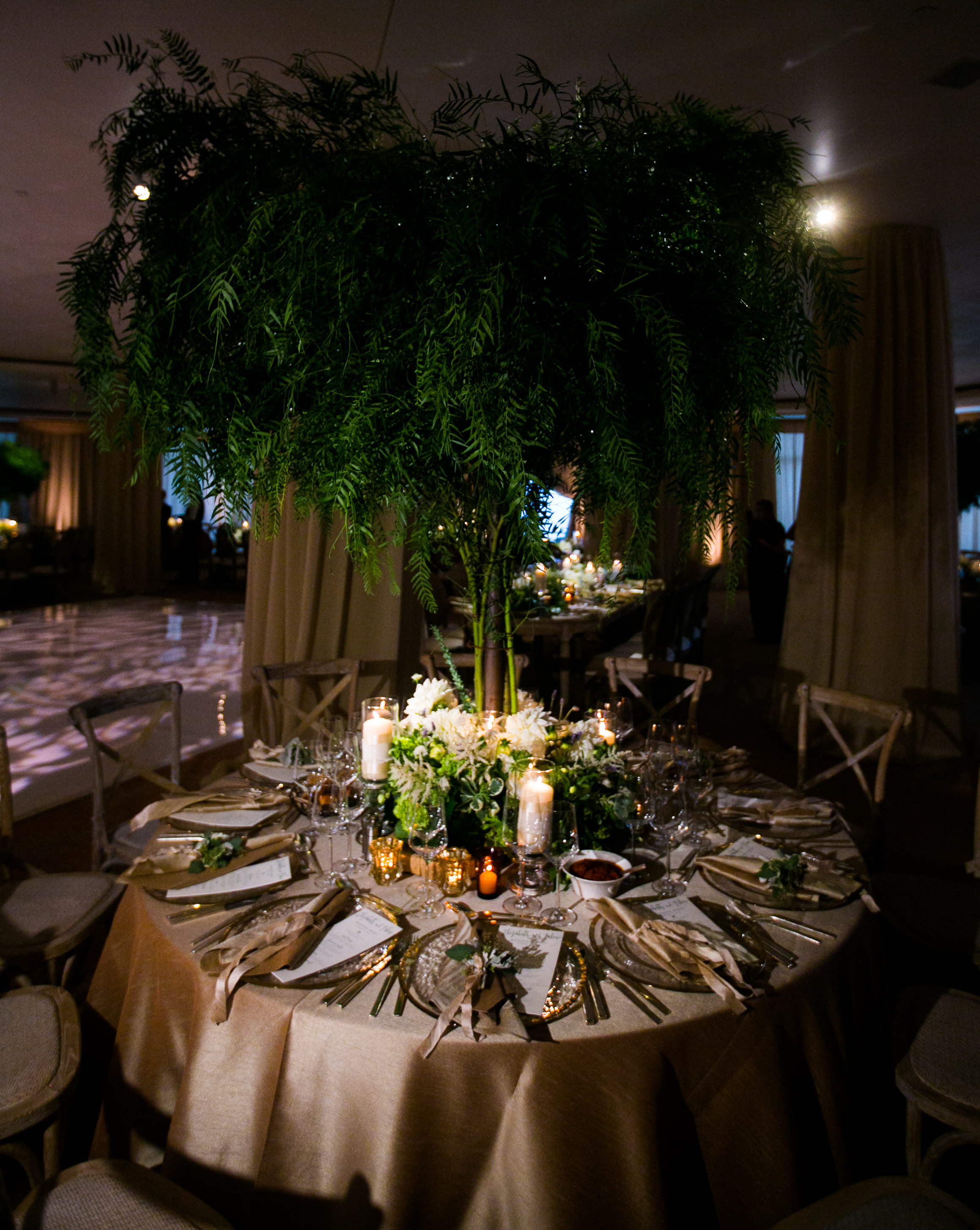 www.santabarbarawedding.com   Four Seasons Santa Barbara   Levine Fox Events   Callaway Gable Photo   Reception Tables