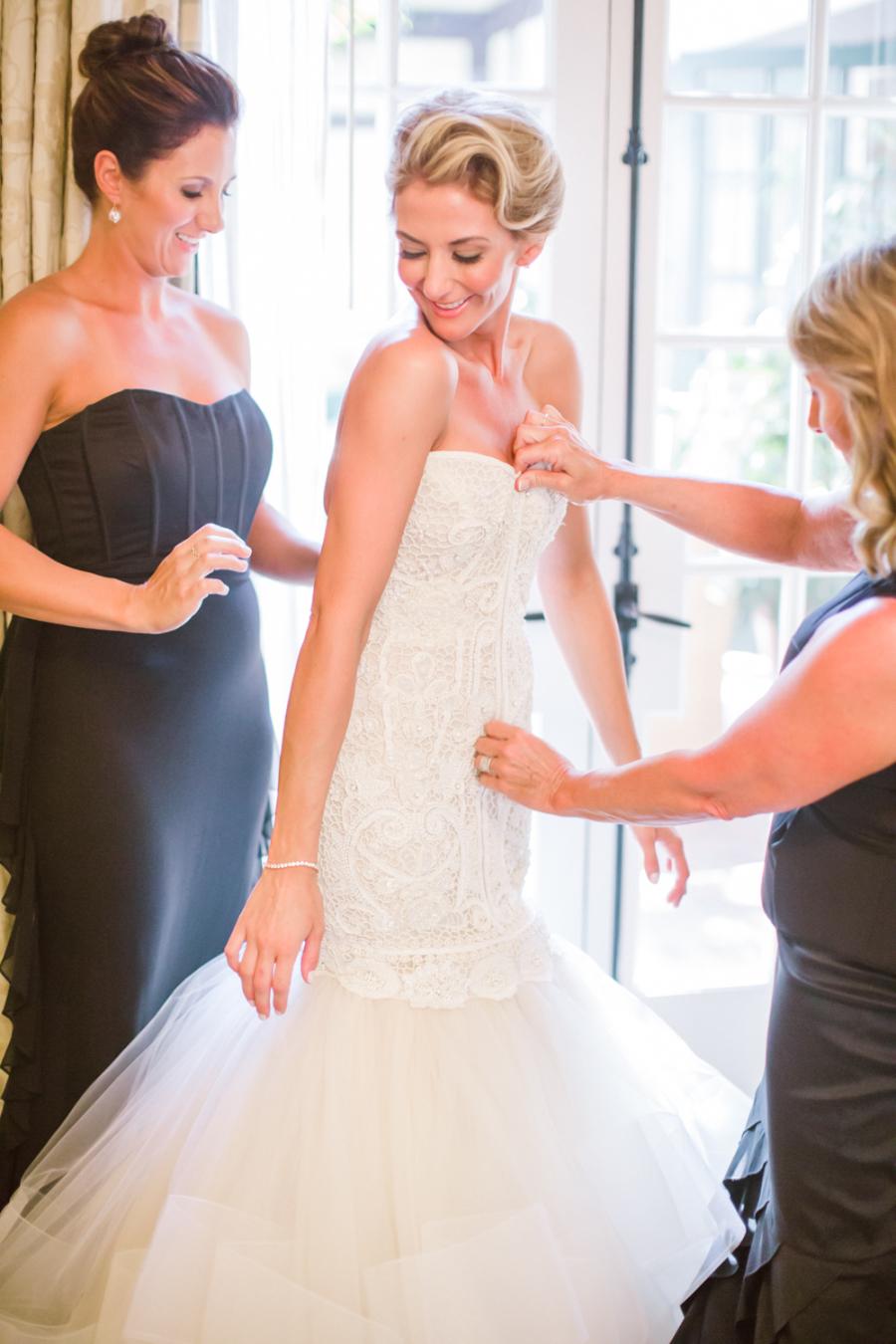 www.santabarbarawedding.com | Ann Johnson Events | Jessica Lewis | The Biltmore | Bride Getting Ready