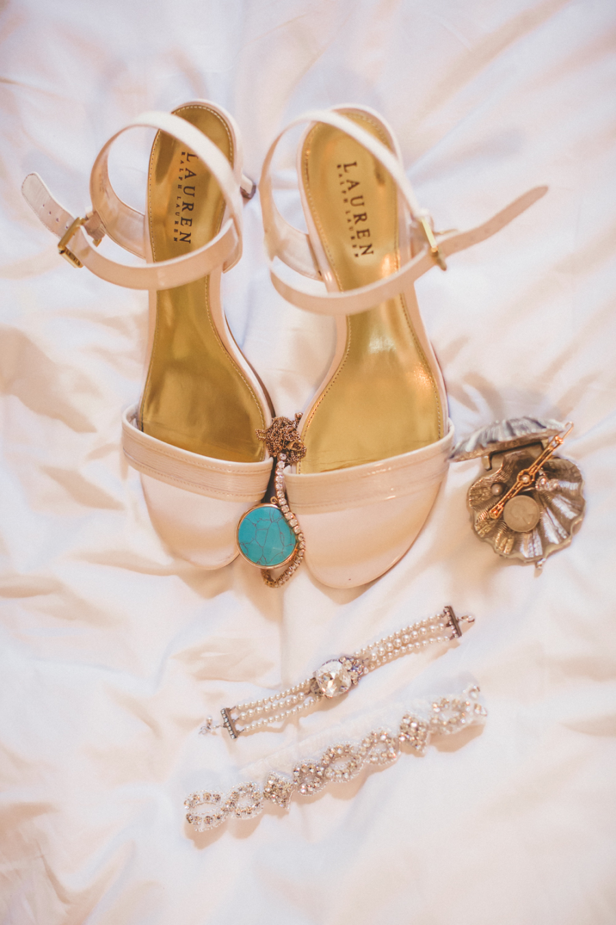 www.santabarbarawedding.com | Ann Johnson Events | Jessica Lewis | The Biltmore | Bride's Accessories