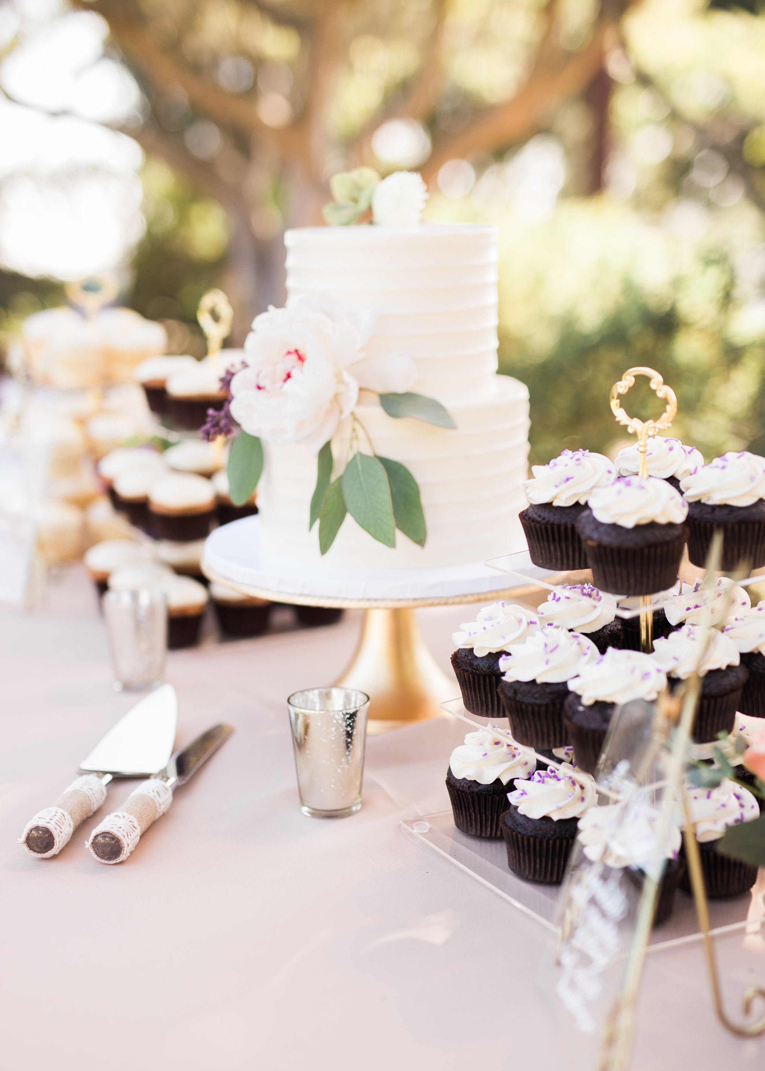 www.santabarbarawedding.com   Trinity Episcopal Church   Elings Park   Sarah Weir   Burlap & Bordeaux   Dessert Table
