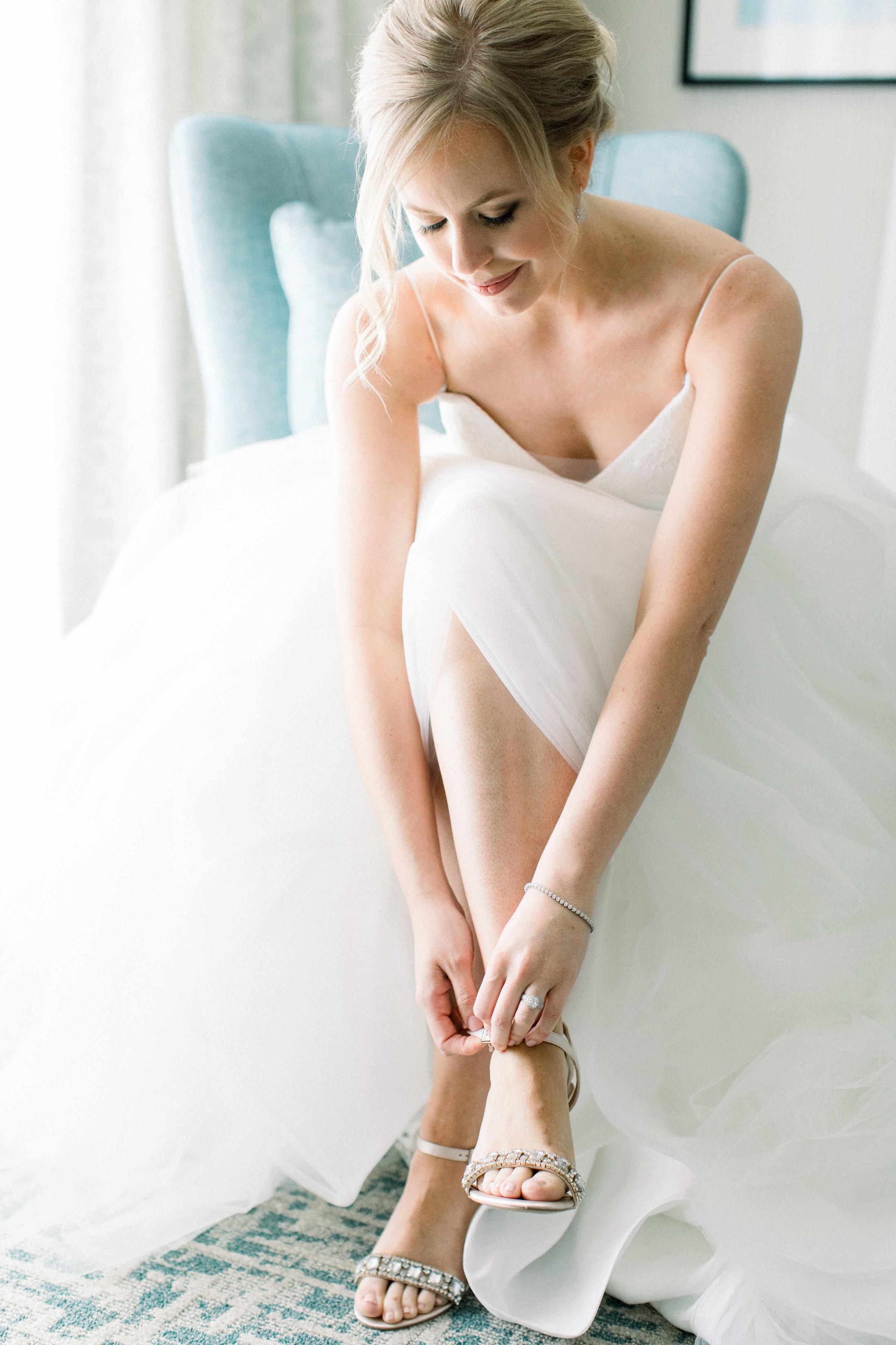 www.santabarbarawedding.com | Jenny Quicksall | Santa Barbara Club | Bluebell Events | Bride Getting Ready