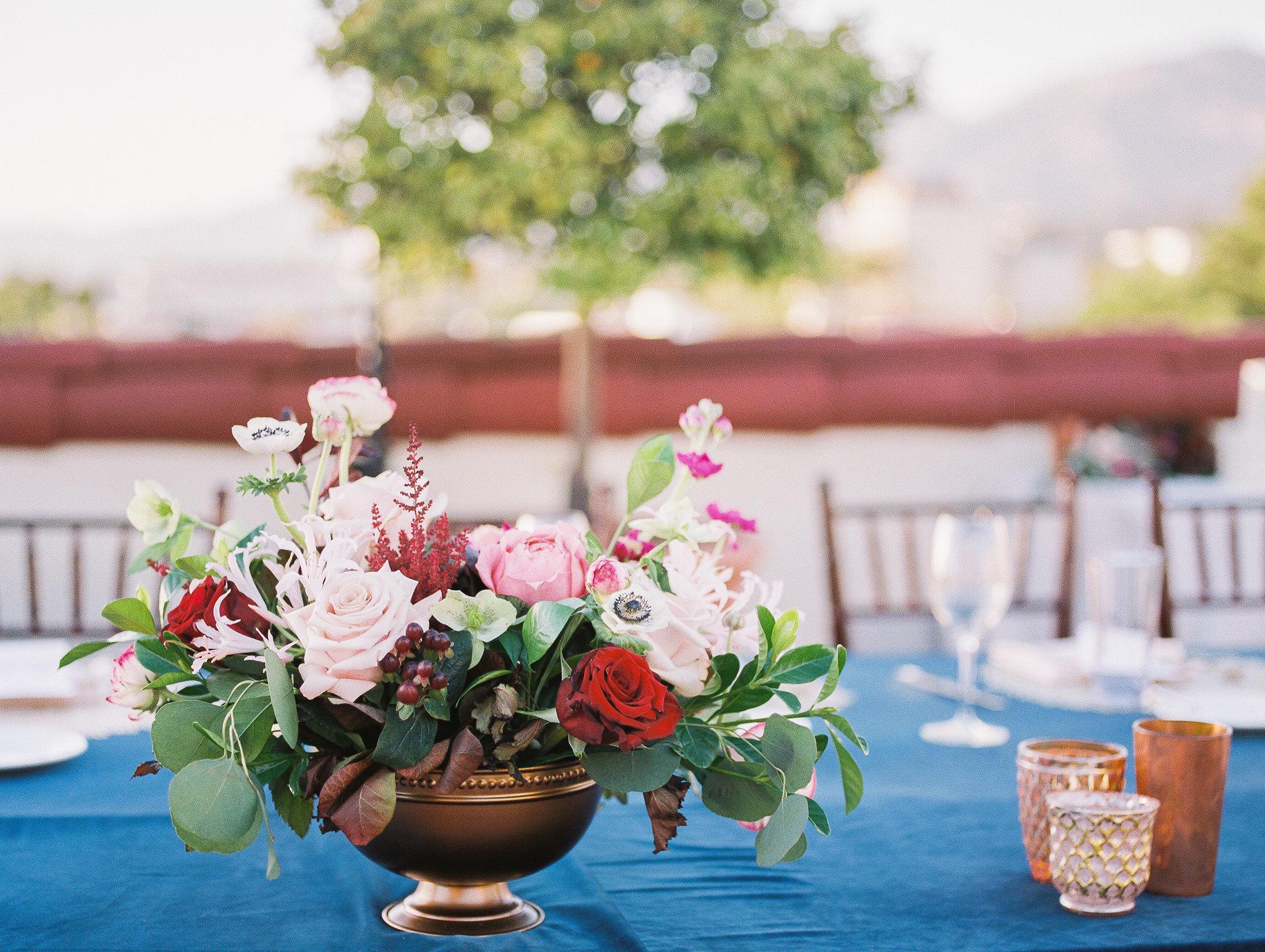 www.santabarbarawedding.com | Grace Kathryn Photography | Santa Barbara Courthouse | Canary Hotel | Amazing Days Events | Floral Arrangement