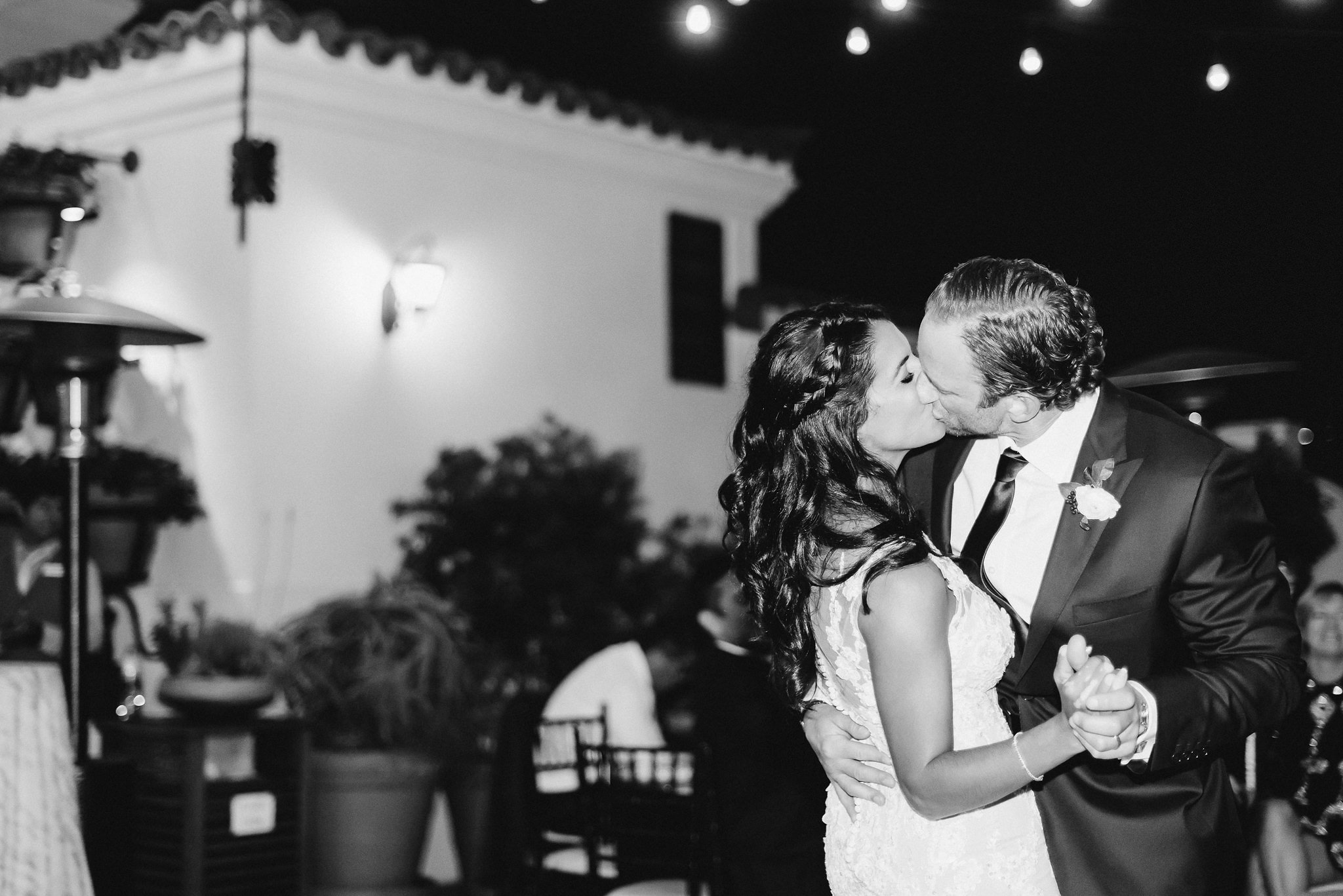 www.santabarbarawedding.com | Grace Kathryn Photography | Santa Barbara Courthouse | Canary Hotel | Amazing Days Events | Bride and Groom | First Dance