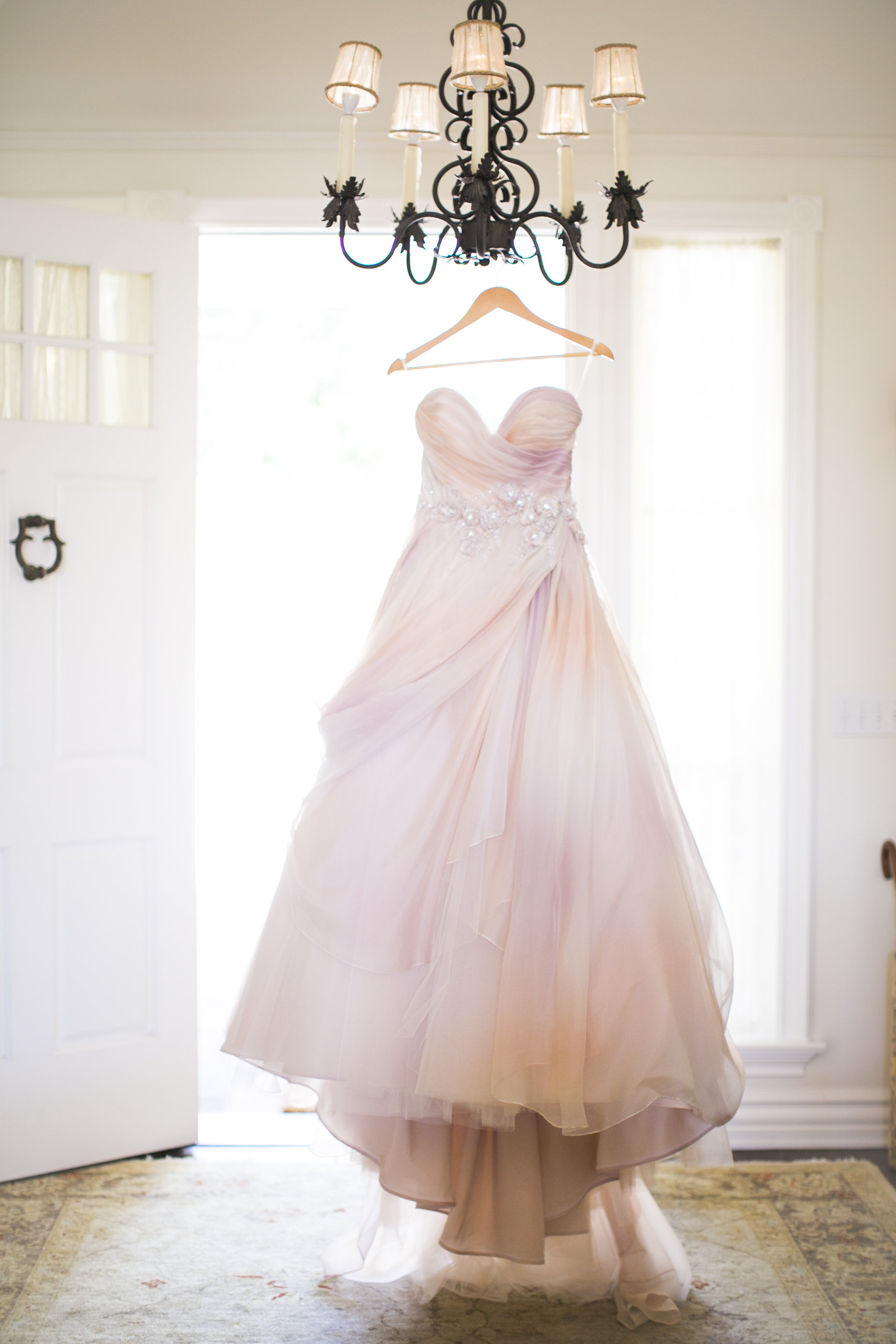 www.santabarbarawedding.com | Event of the Season | San Ysidro Ranch | Birds of a Feather | Wedding Dress