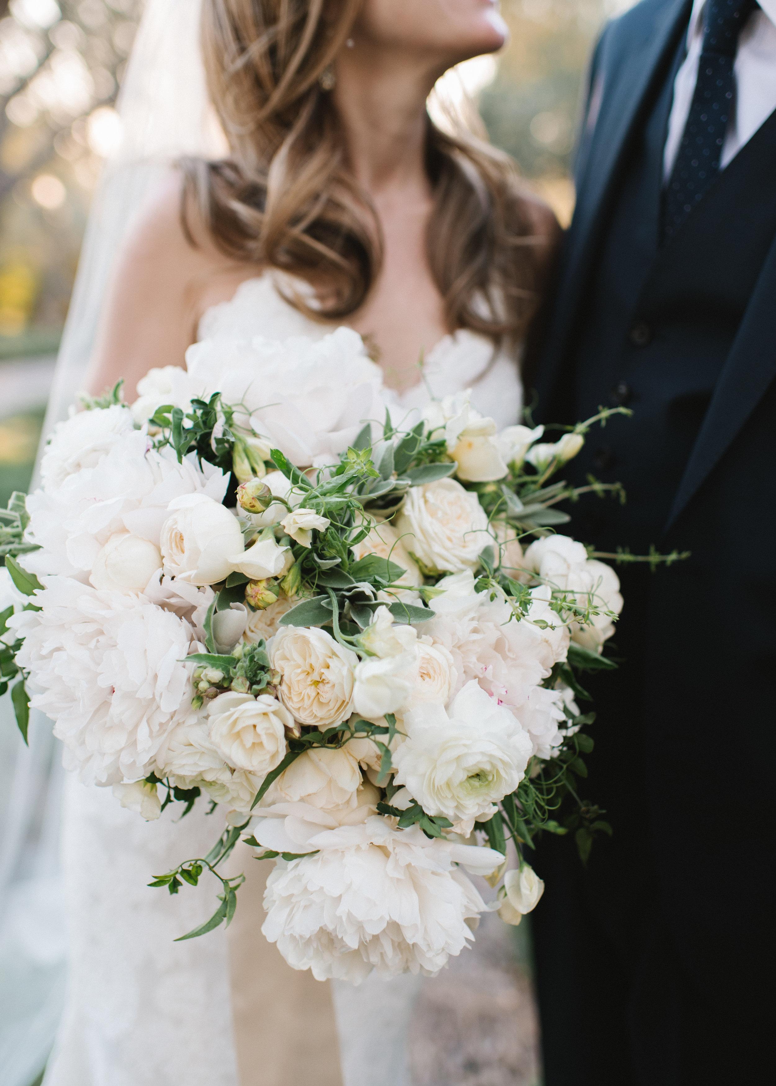www.santabarbarawedding.com   Event of the Season   Norman and Blake   San Ysidro Ranch   Bridal Bouquet