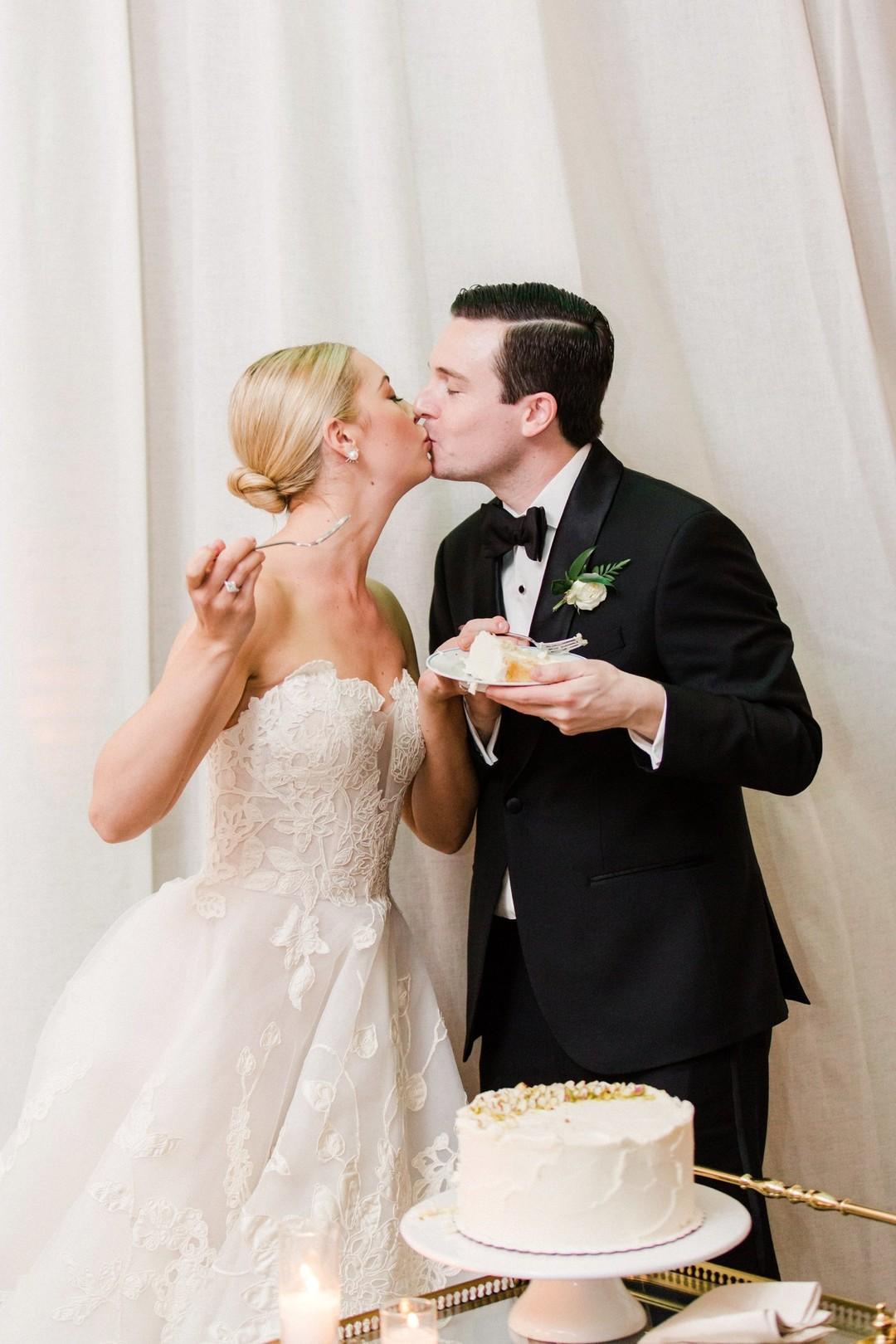 www.santabarbarawedding.com | Anna Delores | Vanessa Noel Events | Belmond El Encanto | Cake Cutting