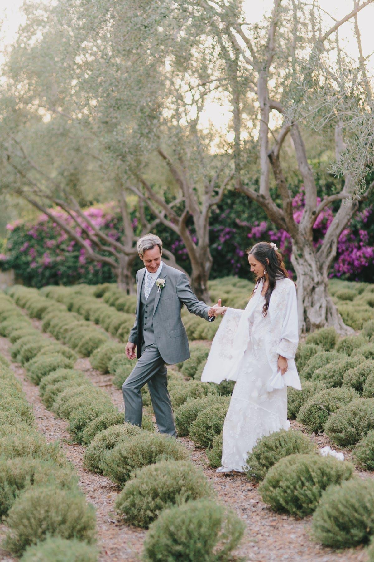 www.santabarbarawedding.com | San Ysidro Ranch | Alegria by Design | Jake + Necia Photography | Bride and Groom