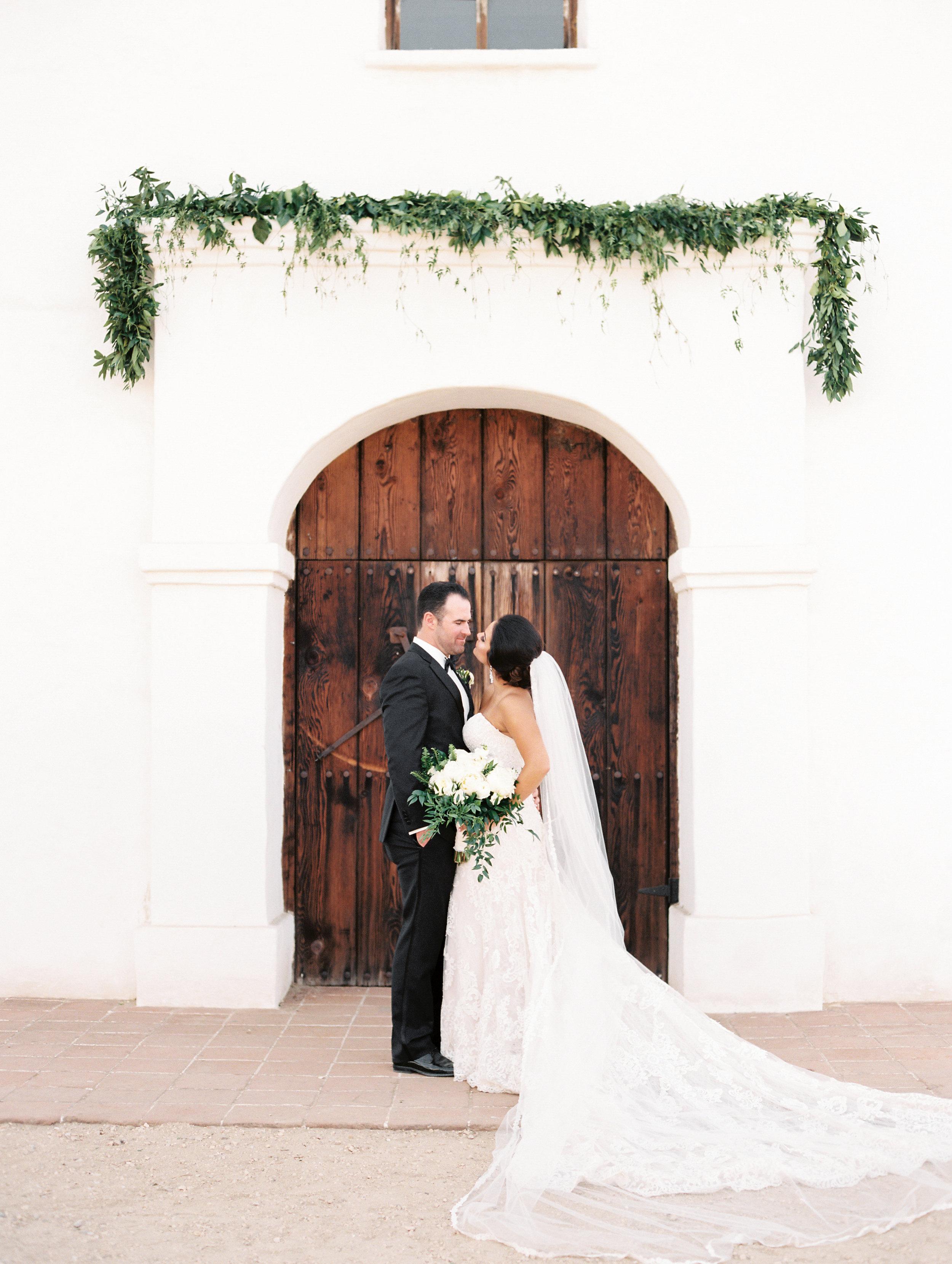 www.santabarbarawedding.com   El Presidio   Santa Barbara Club   Taralynn Lawton   Bride and Groom