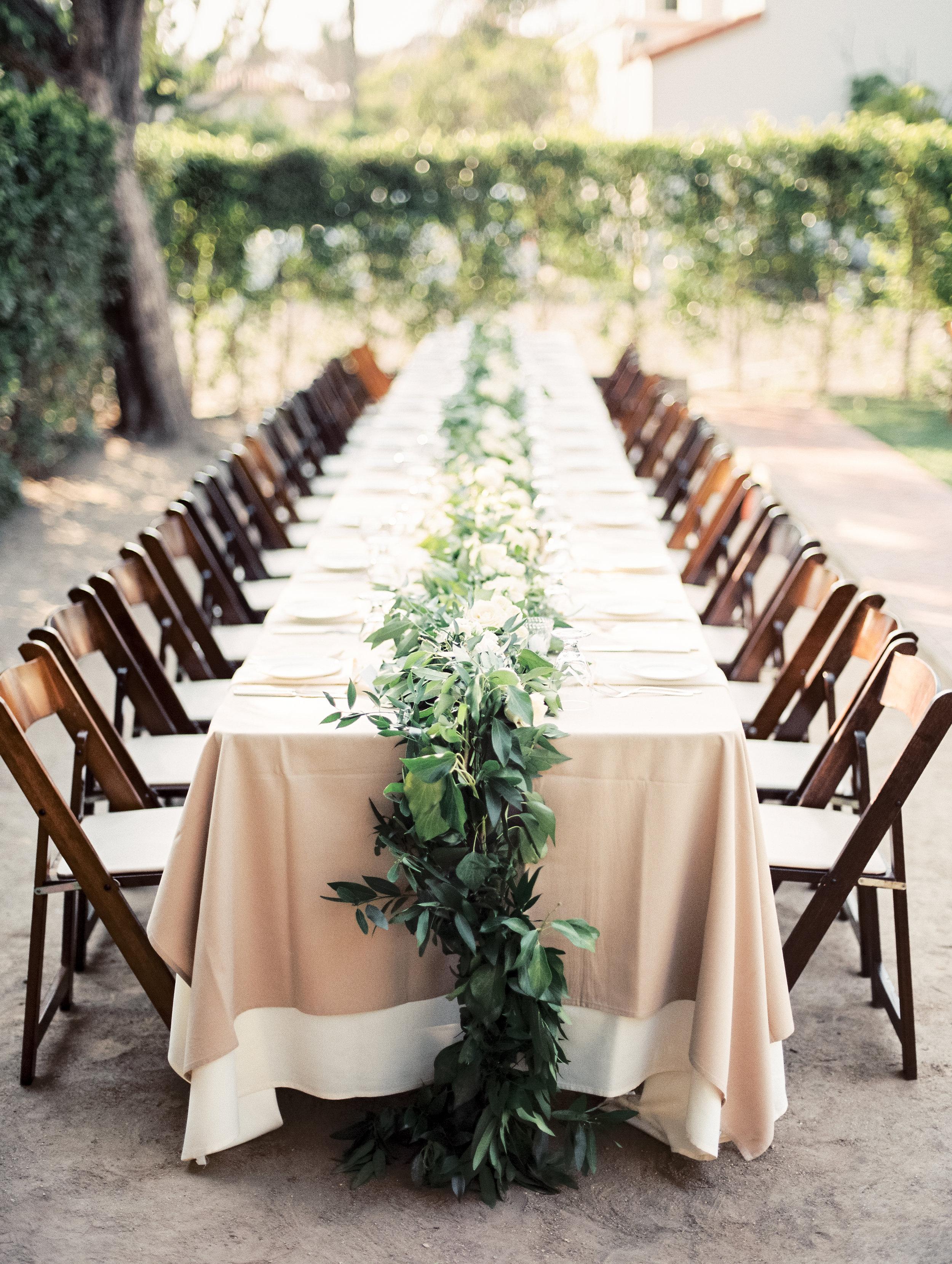 www.santabarbarawedding.com   El Presidio   Santa Barbara Club   Taralynn Lawton   Reception Table