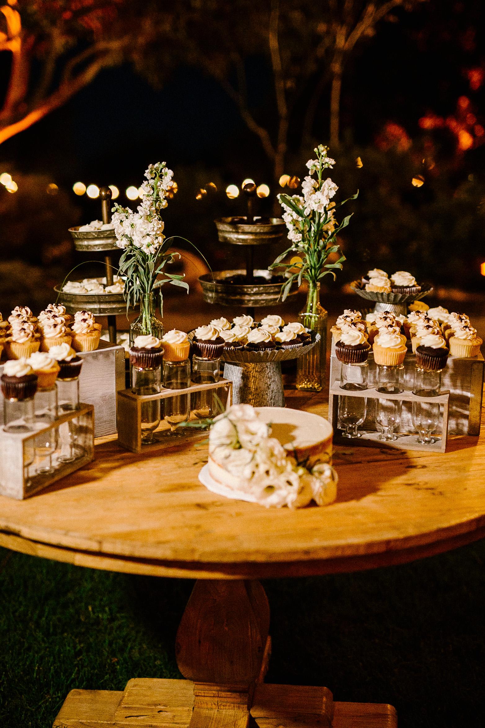 www.santabarbarawedding.com   Elings Park   Hannah Rose Gray   Cupcakes