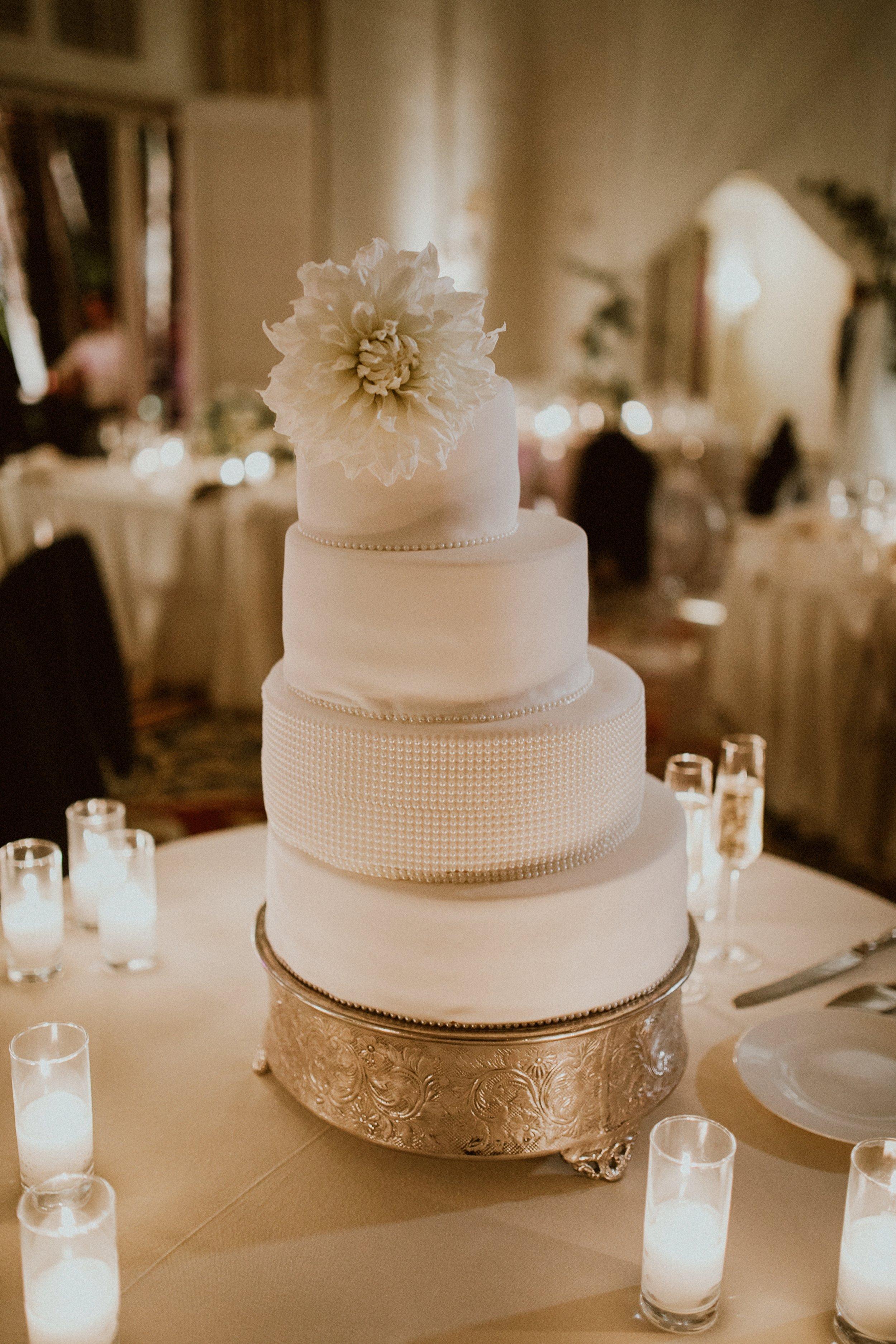 www.santabarbarawedding.com | Event of the Season | Gina and Ryan Photo | Four Seasons | Wedding Cake
