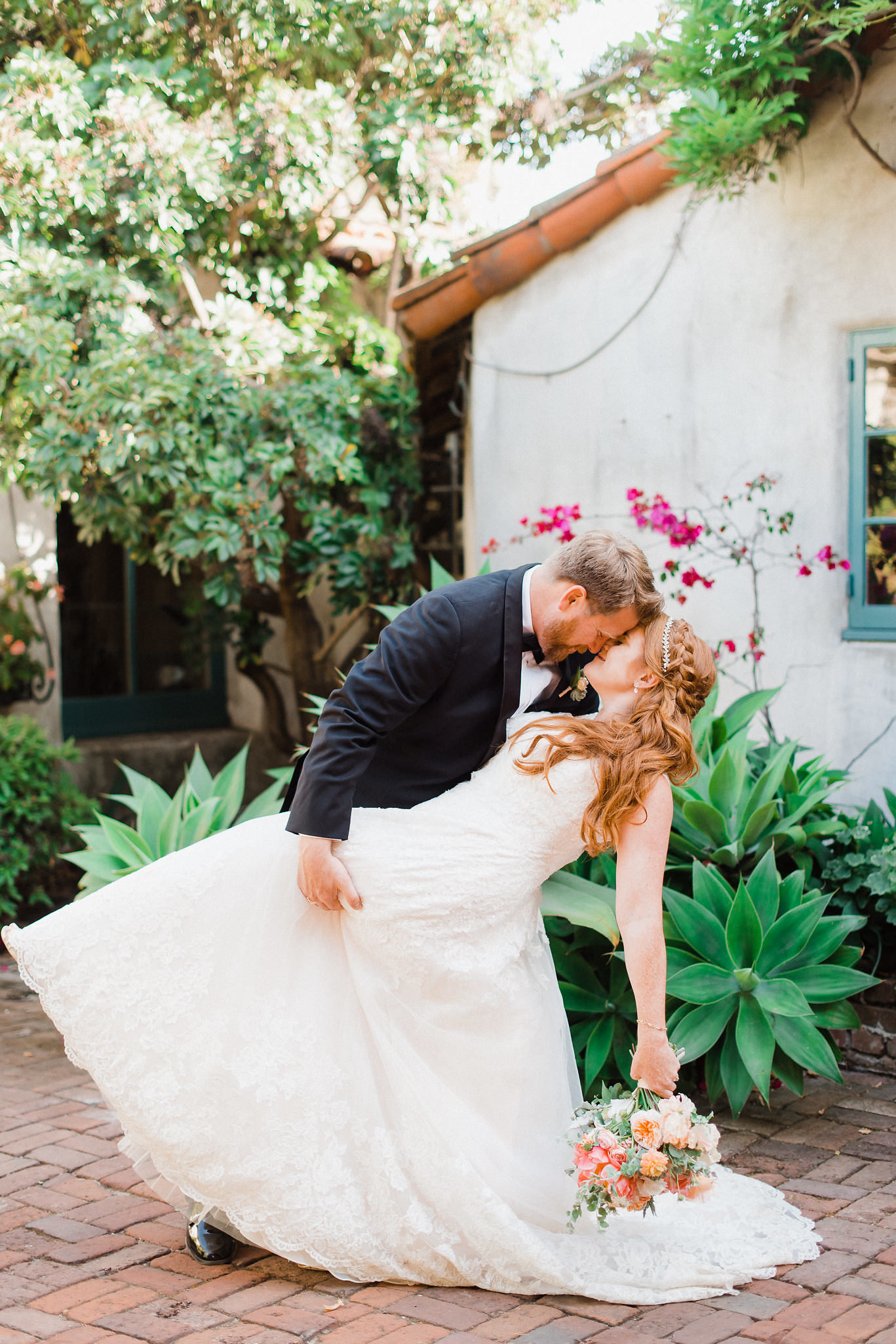 www.santabarbarawedding.com | Grace Kathryn | Santa Barbara Historical Museum | Bride and Groom