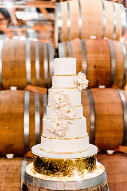 www.santabarbarawedding.com   gold cake   six tiers wedding cake   lilac patisserie   Cara Robbins Photography