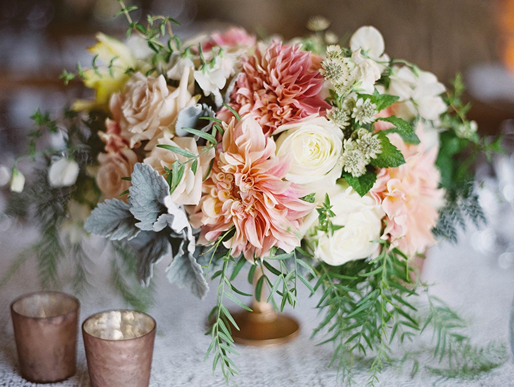 www.santabarbarawedding.com | Sunstone Winery | Luna de Mare | Esoteric Events | Floral Arrangement
