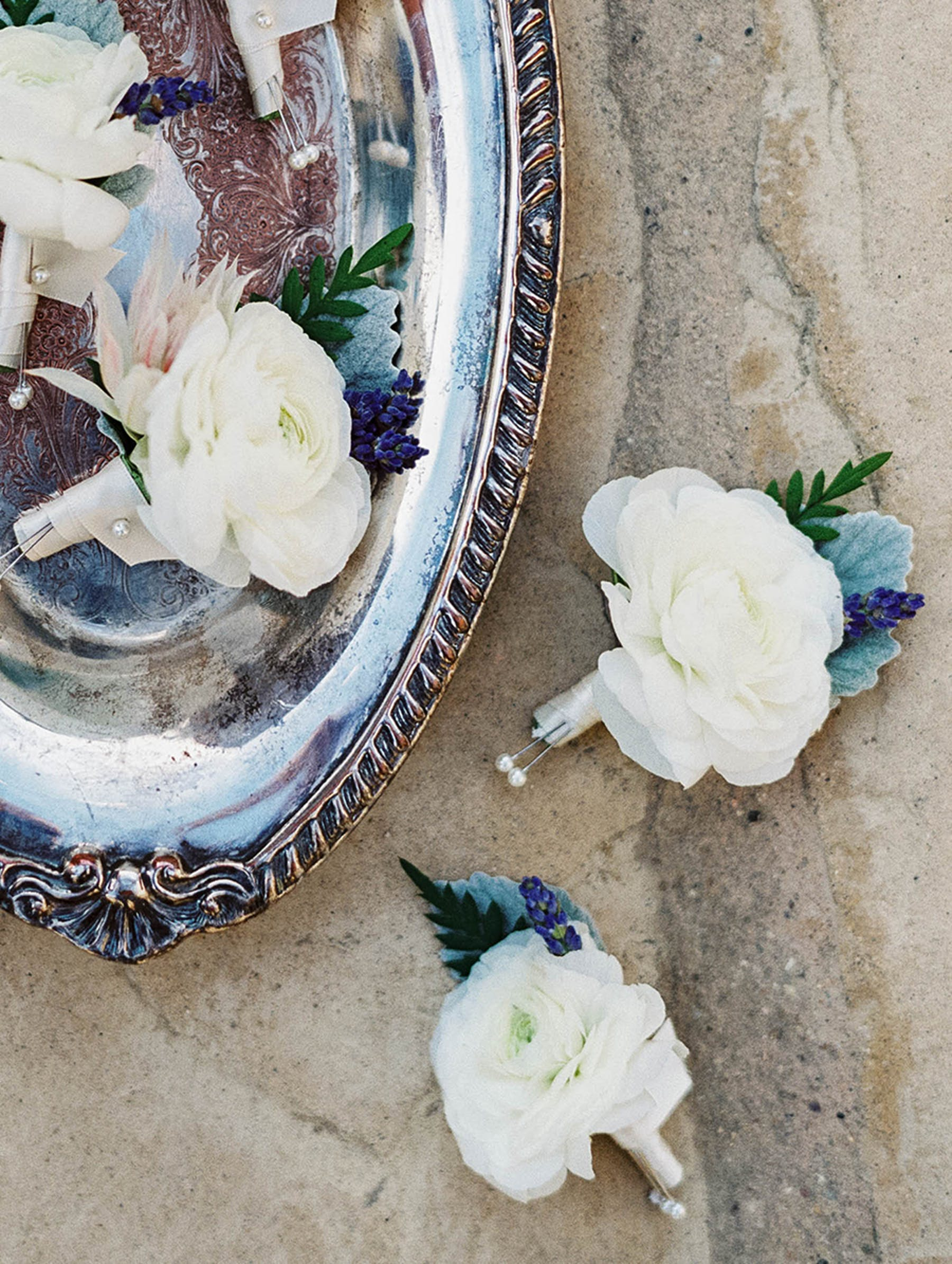 www.santabarbarawedding.com | Sunstone Winery | Luna de Mare | Esoteric Events | Boutonnieres