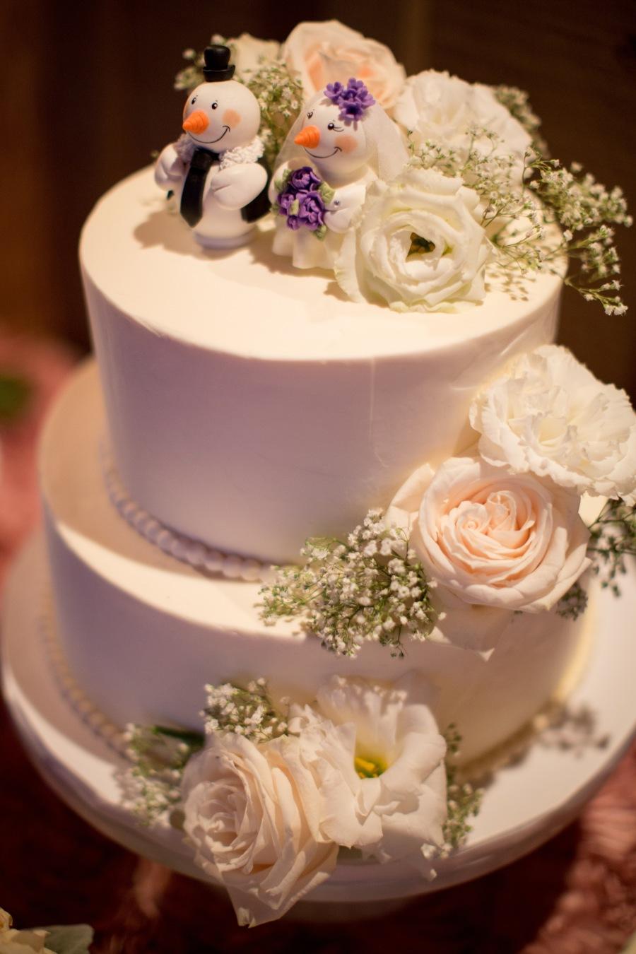 www.santabarbarawedding.com | Soigne Productions | Michael and Anna Costa | Zaca Creek Ranch | Wedding Cake