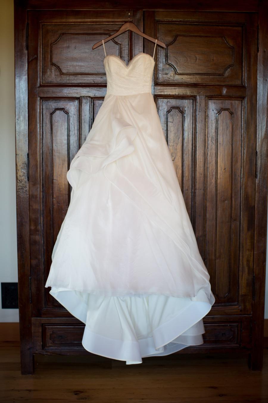 www.santabarbarawedding.com | Soigne Productions | Michael and Anna Costa | Zaca Creek Ranch | Wedding Dress