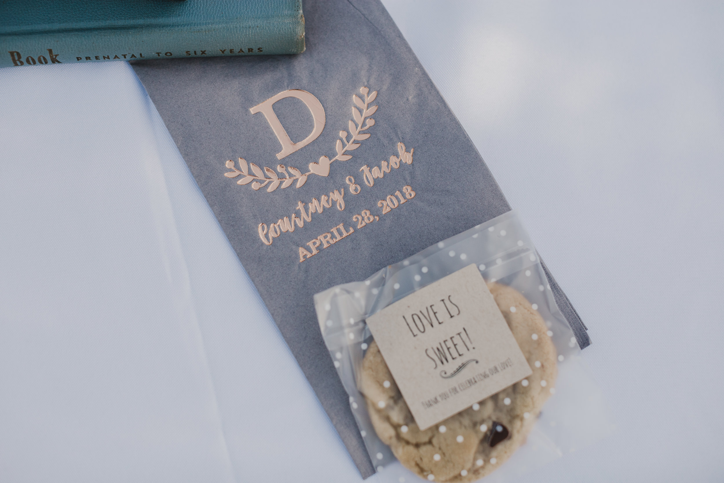 www.santabarbarawedding.com | Grace Maralyn Estate | Diana Lake Photo | Place Setting | Cookie