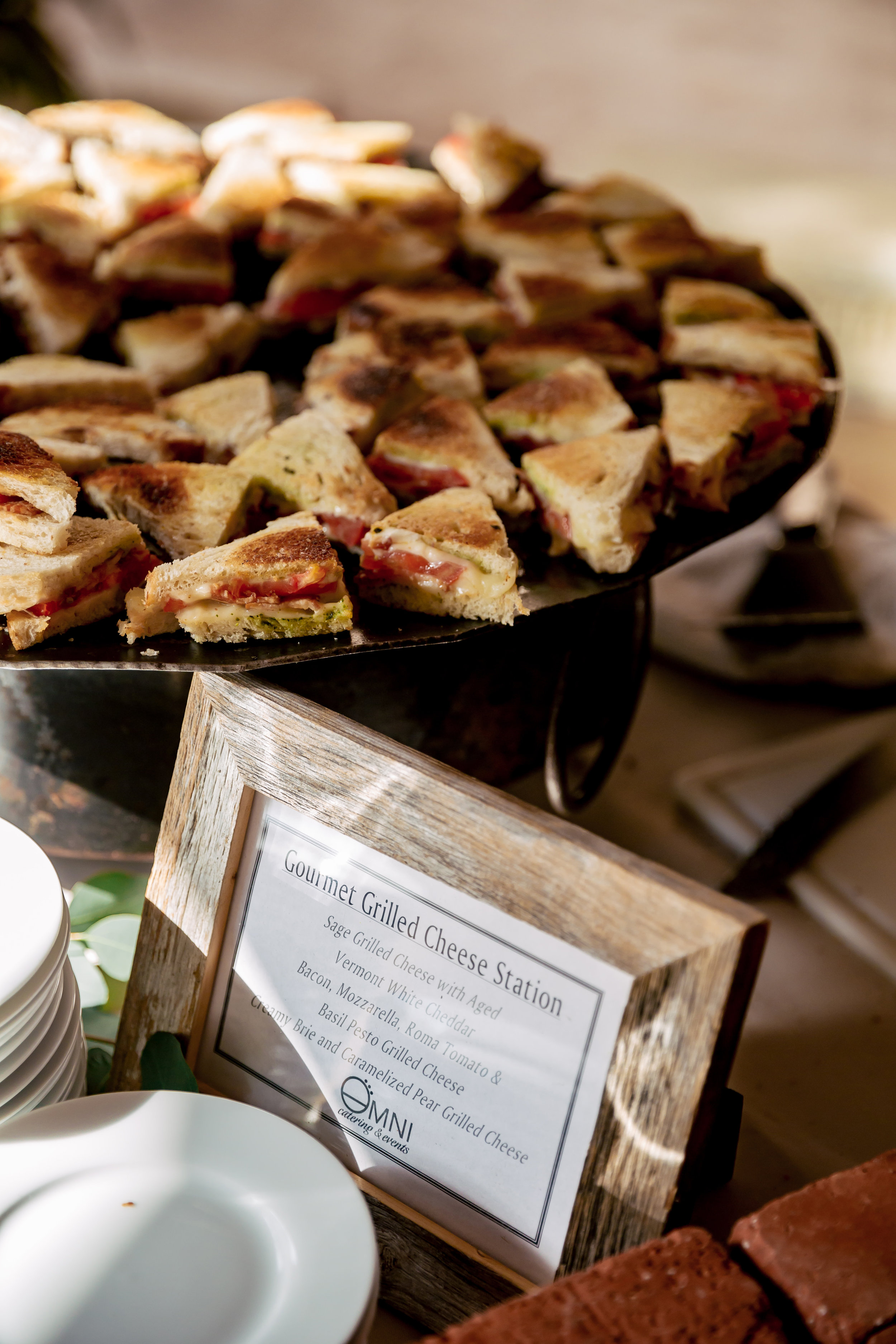 www.santabarbarawedding.com | Rewind Photography | Events by M and M | Santa Barbara Historical Museum | Grilled Cheese Bar