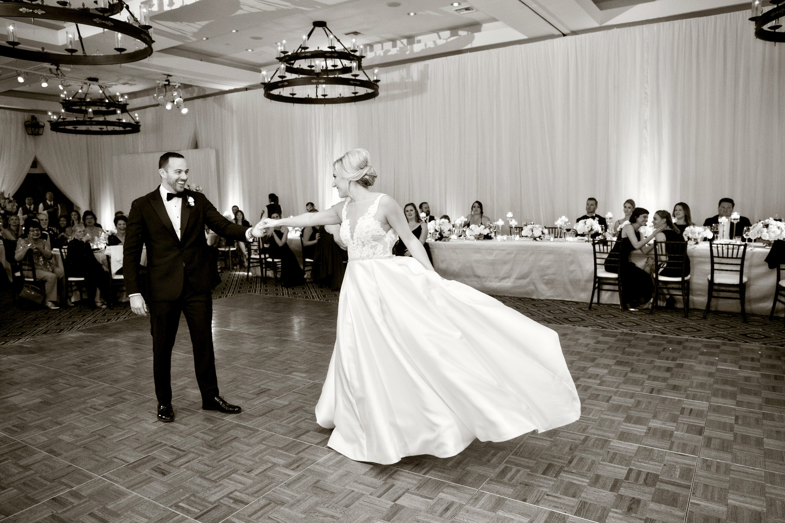 www.santabarbarawedding.com | Laurie Bailey | Ojai Valley Inn | Amber Weir Weddings | First Dance