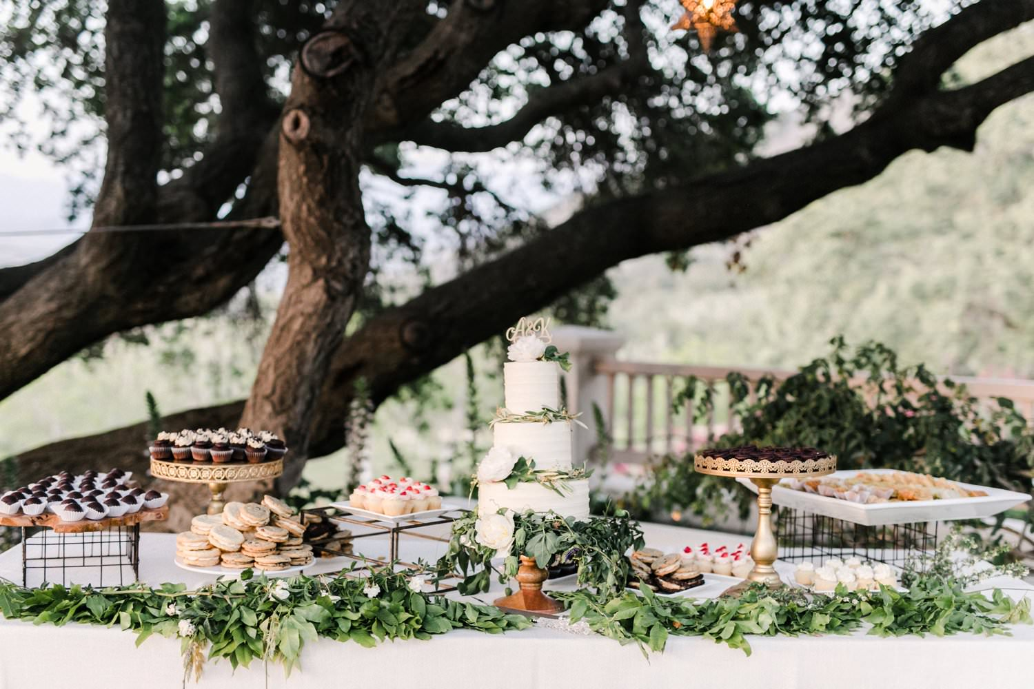 www.santabarbarawedding.com | Anne Delores | Rancho Bella Vista | Wild Heart Events | Dessert Table